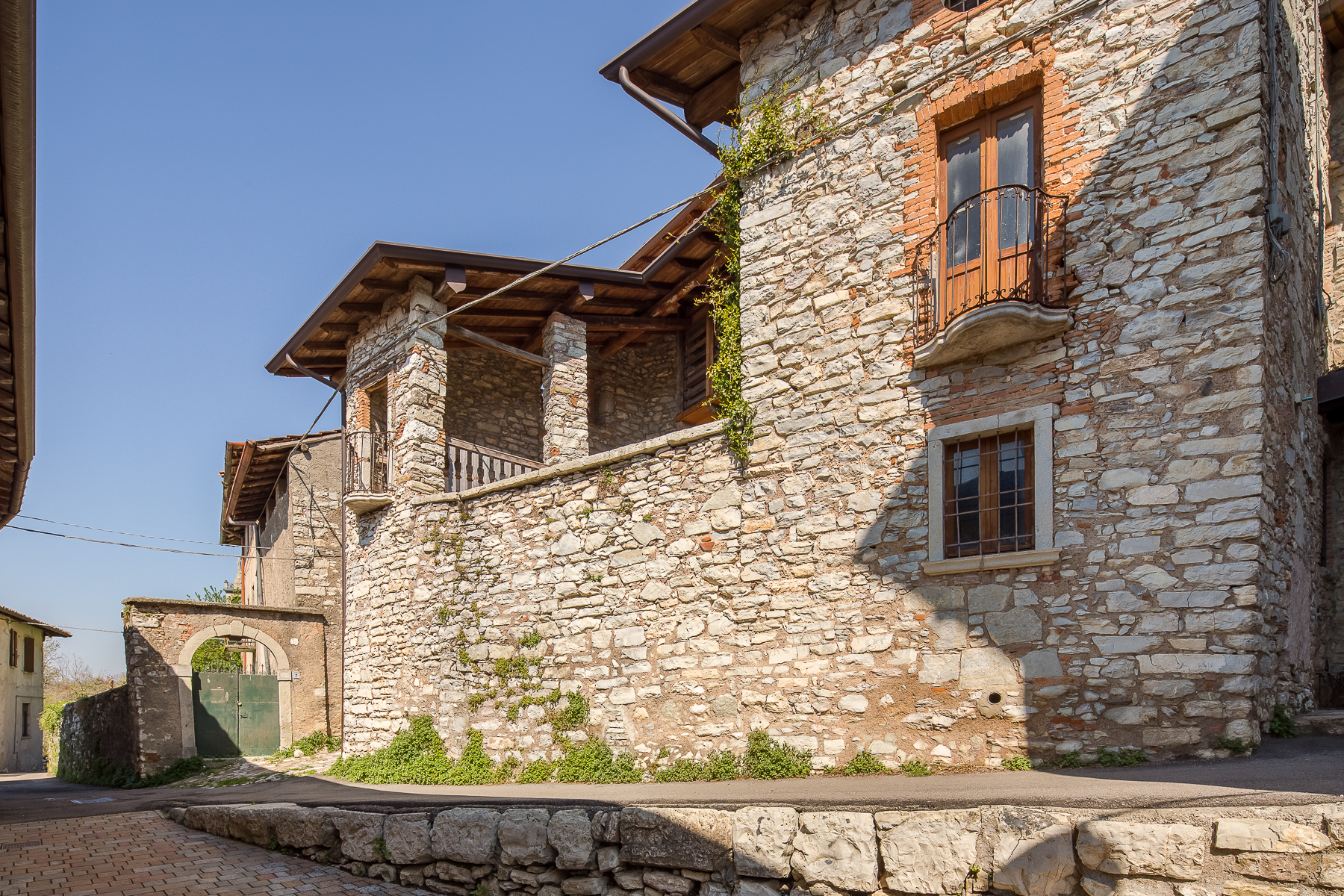 Casa indipendente in Vendita a Caprino Bergamasco:  5 locali, 500 mq  - Foto 1