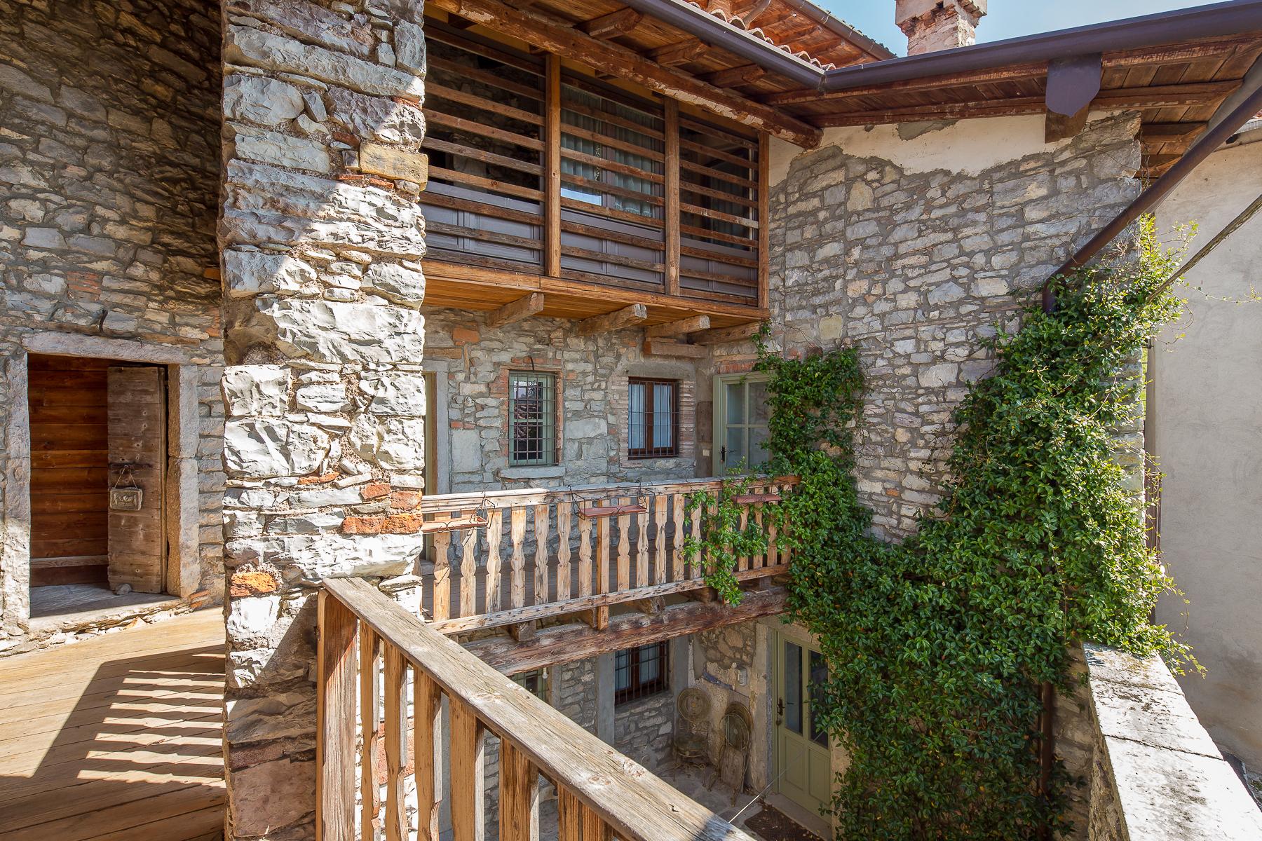 Casa indipendente in Vendita a Caprino Bergamasco: 5 locali, 500 mq - Foto 13
