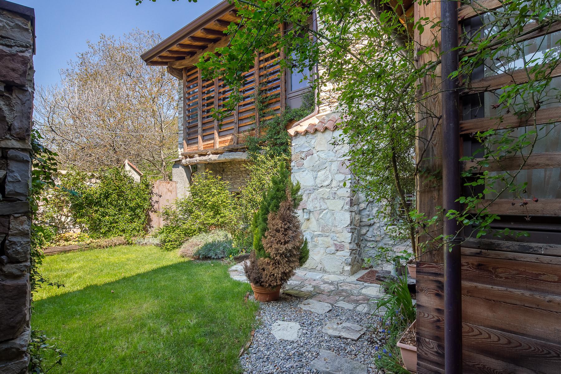 Casa indipendente in Vendita a Caprino Bergamasco: 5 locali, 500 mq - Foto 11