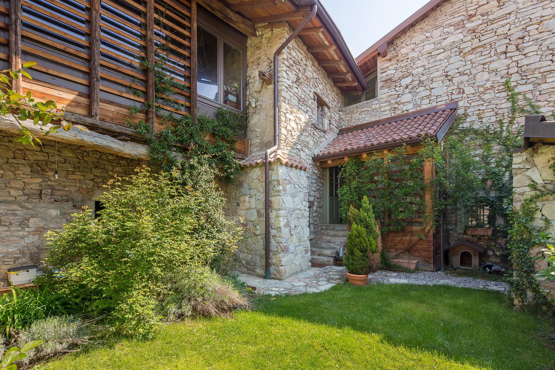 Casa indipendente in Vendita a Caprino Bergamasco: 5 locali, 500 mq - Foto 3