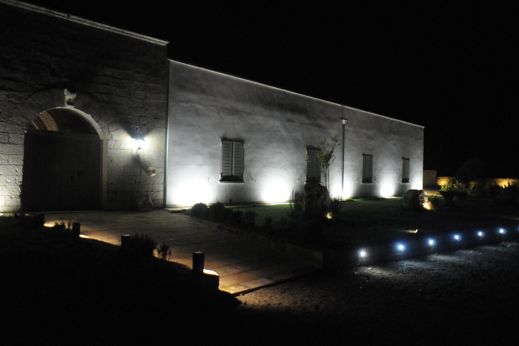 Villa in Vendita a Martano: 5 locali, 850 mq - Foto 3