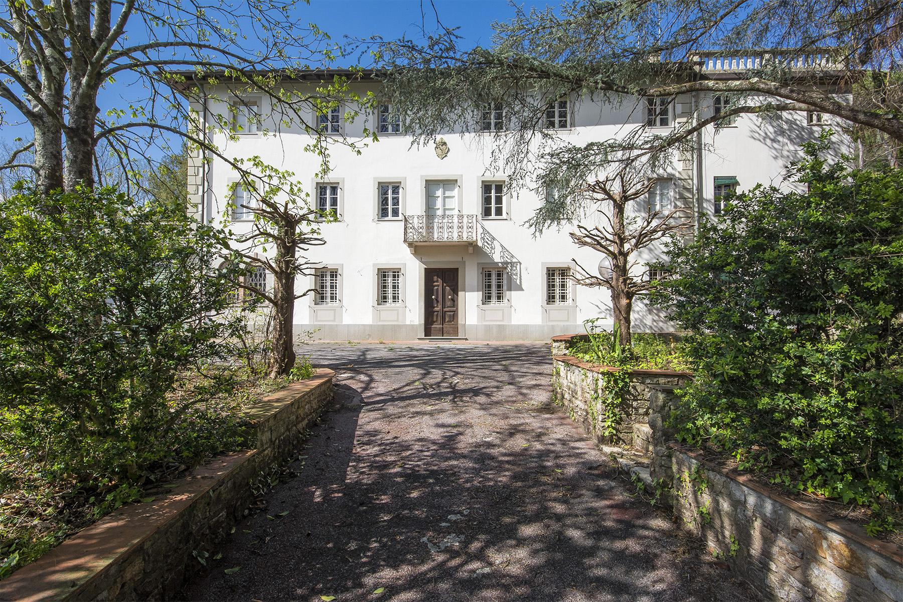 Villa in Vendita a Lucca: 5 locali, 700 mq - Foto 2