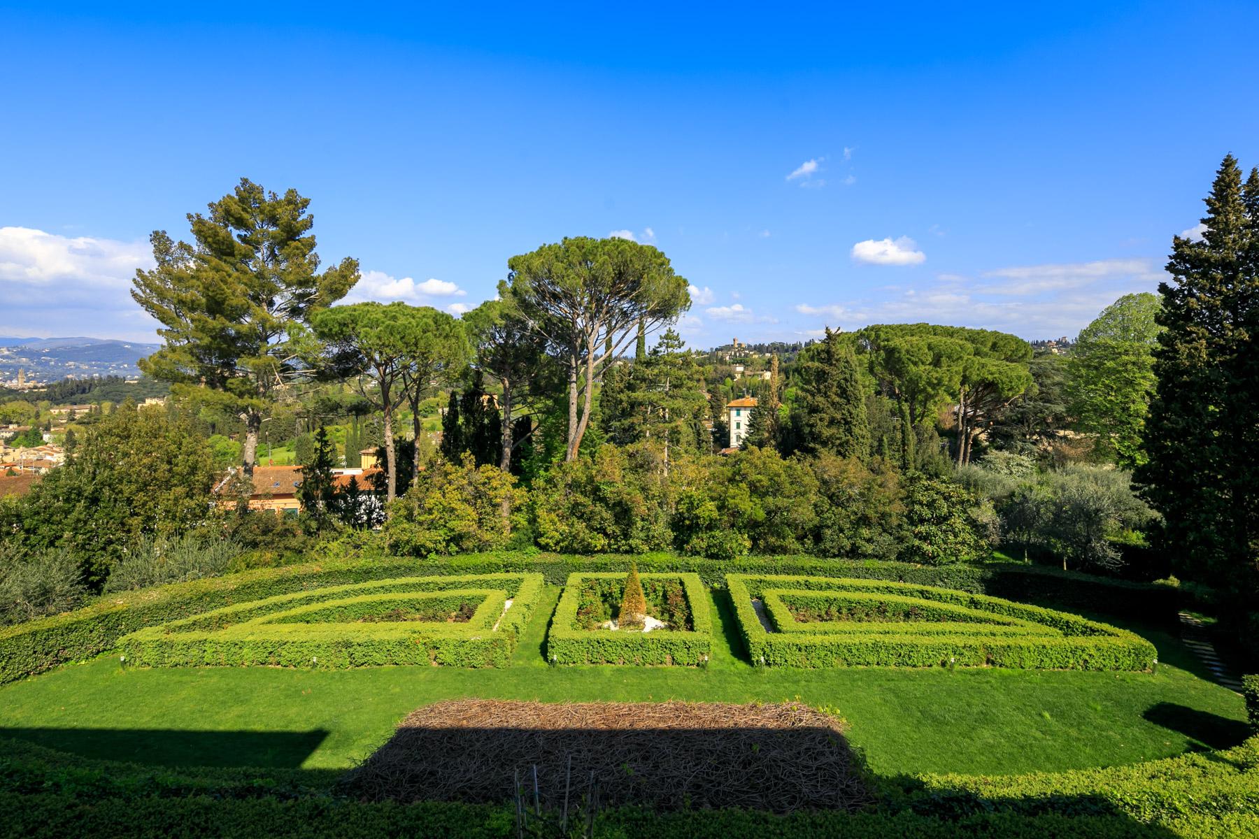 Villa in Vendita a Firenze: 5 locali, 600 mq - Foto 2