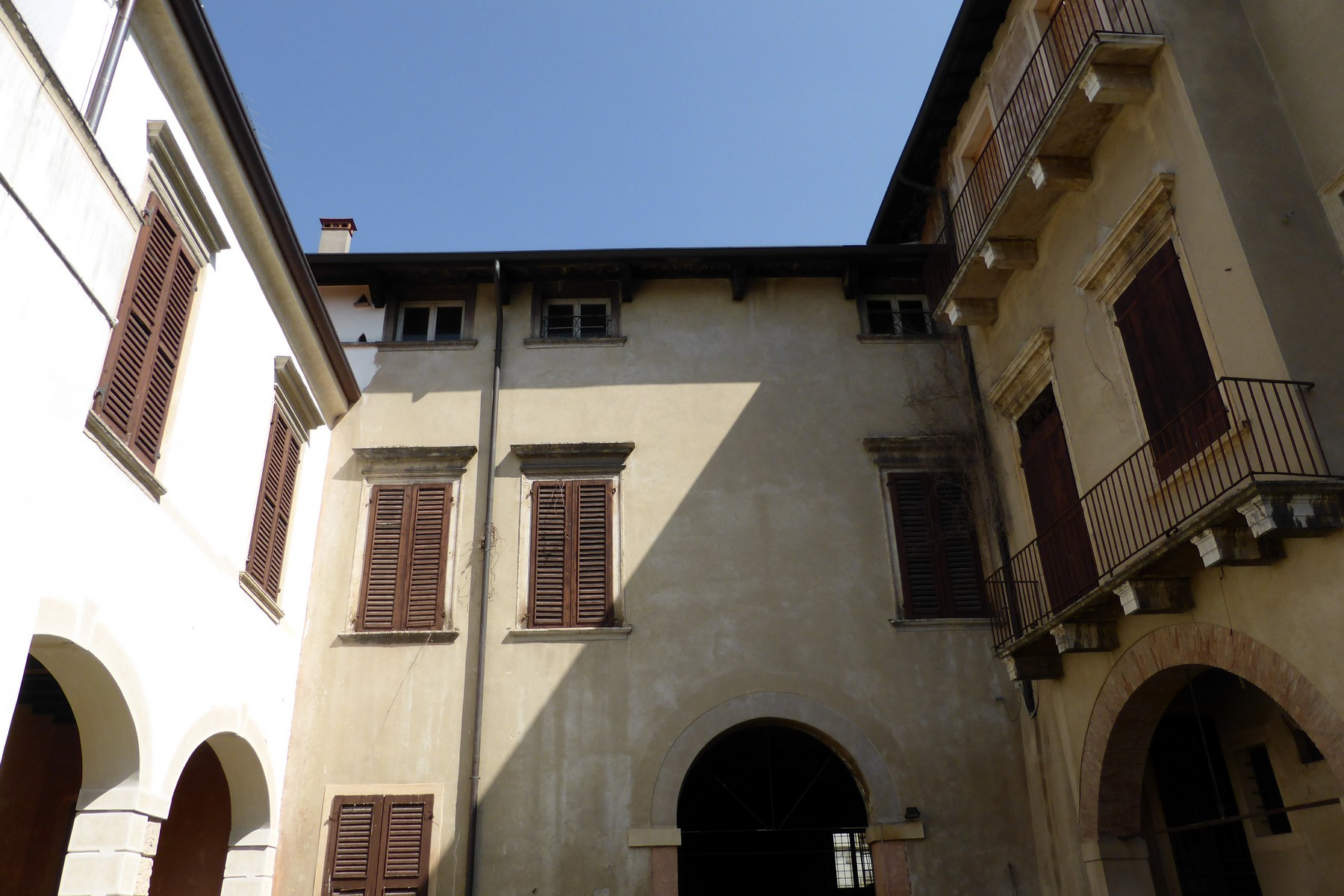 Palazzo in Vendita a Verona: 5 locali, 2000 mq - Foto 9