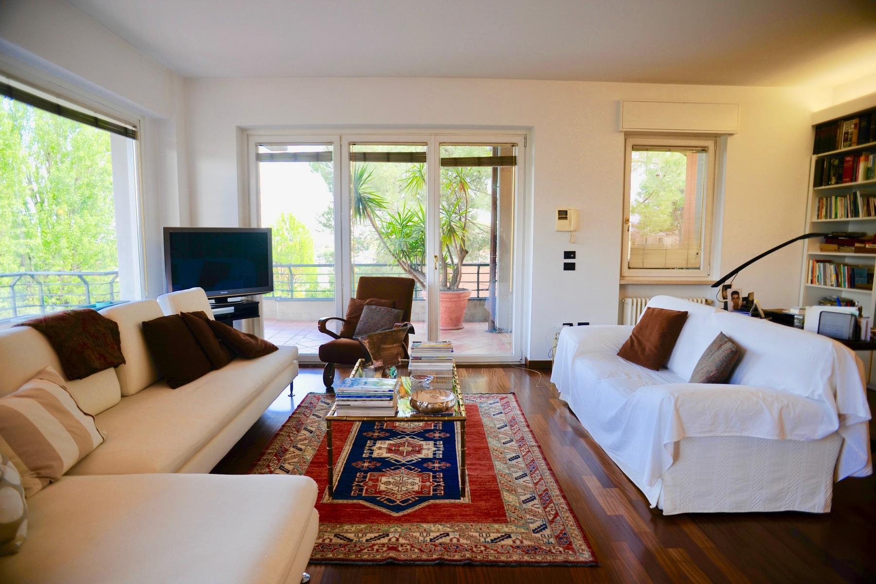 Appartamento in Vendita a Desenzano Del Garda: 5 locali, 170 mq