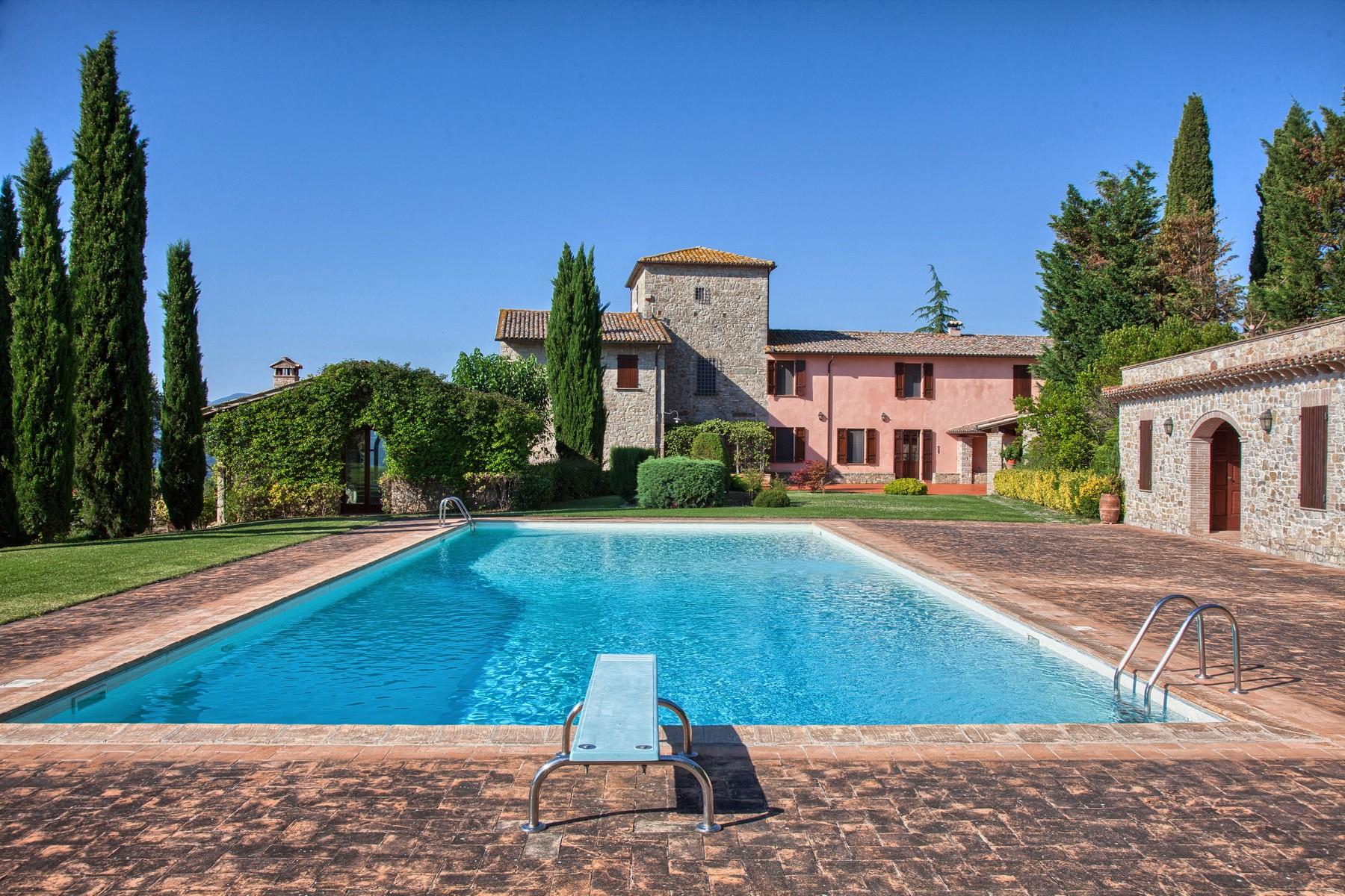 Villa in Vendita a Todi: 5 locali, 1078 mq - Foto 3