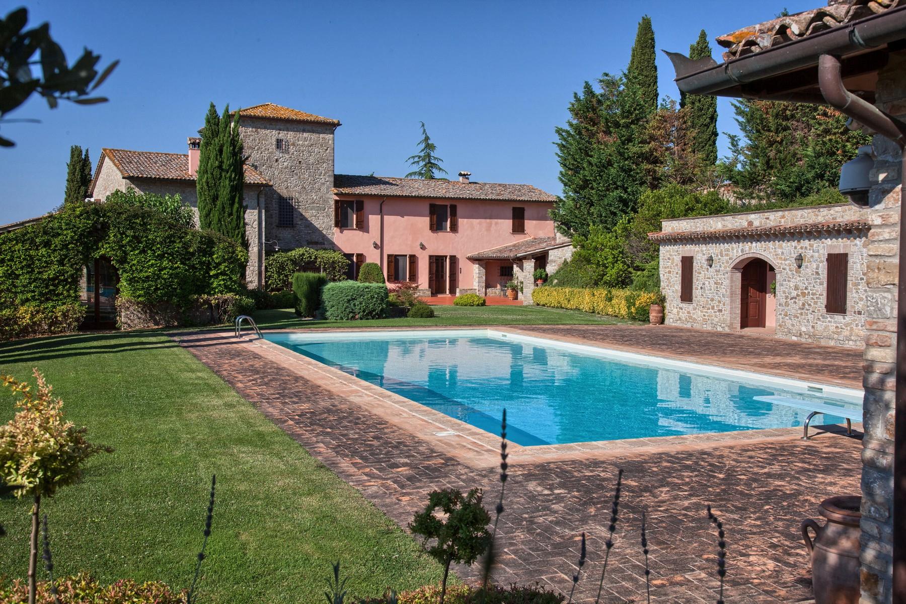 Villa in Vendita a Todi: 5 locali, 1078 mq - Foto 4