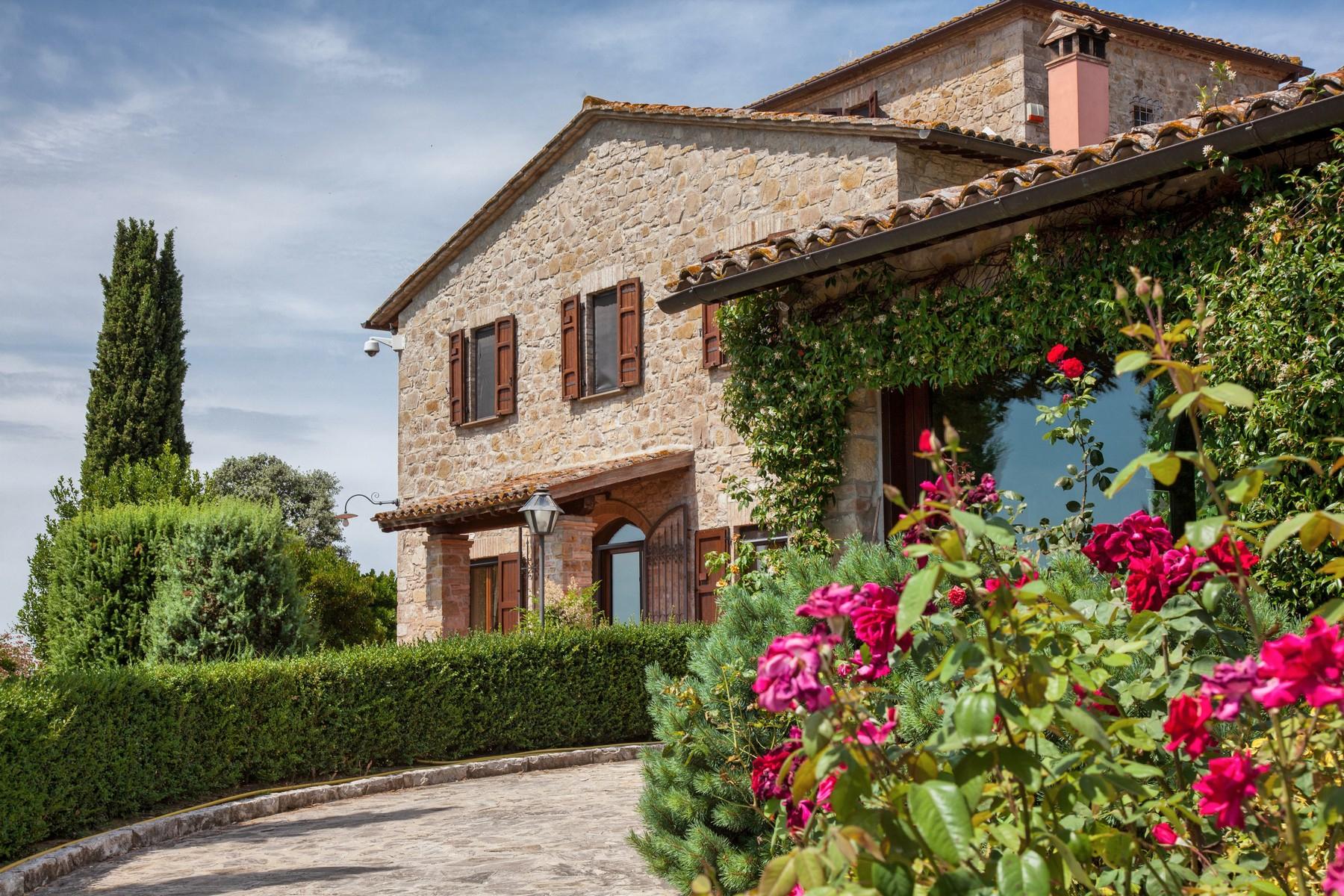Villa in Vendita a Todi: 5 locali, 1078 mq - Foto 6