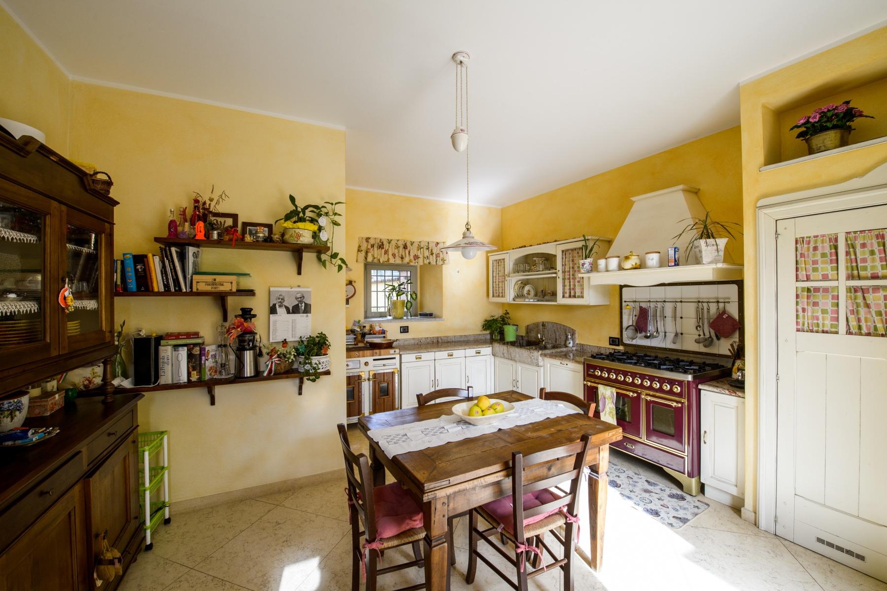 Casa indipendente in Vendita a Agrate Conturbia: 5 locali, 400 mq - Foto 6