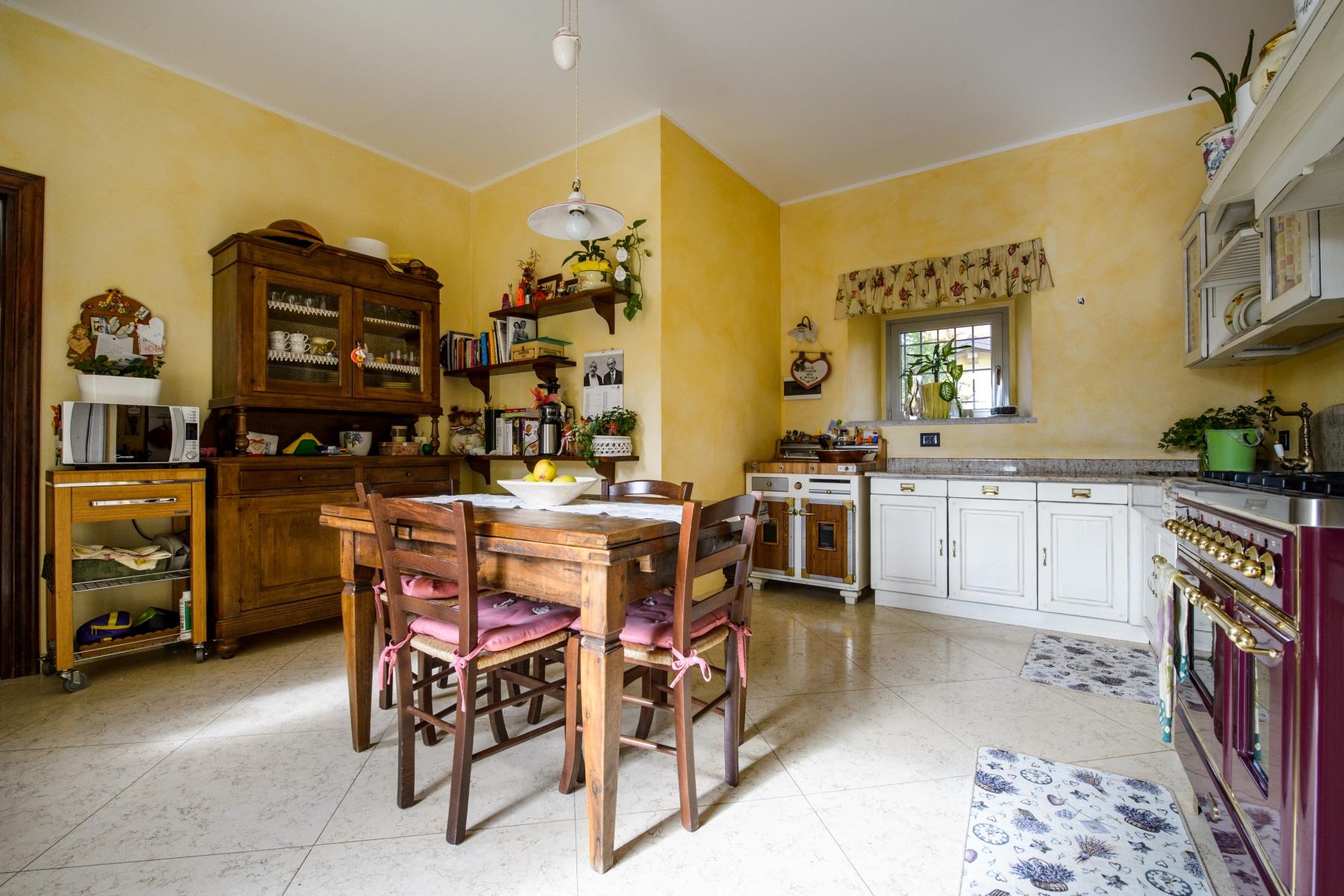Casa indipendente in Vendita a Agrate Conturbia: 5 locali, 400 mq - Foto 7