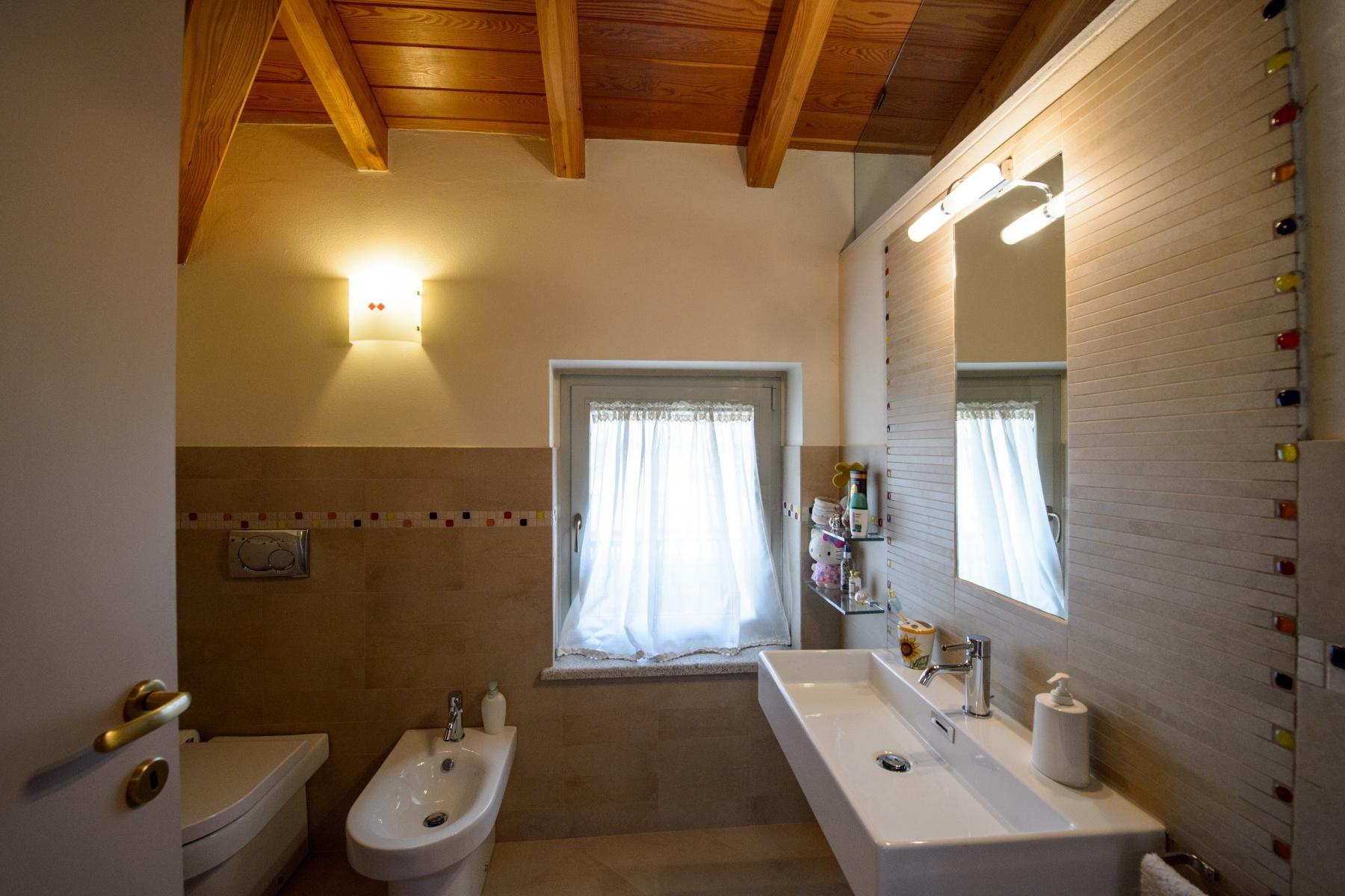 Casa indipendente in Vendita a Agrate Conturbia: 5 locali, 400 mq - Foto 17