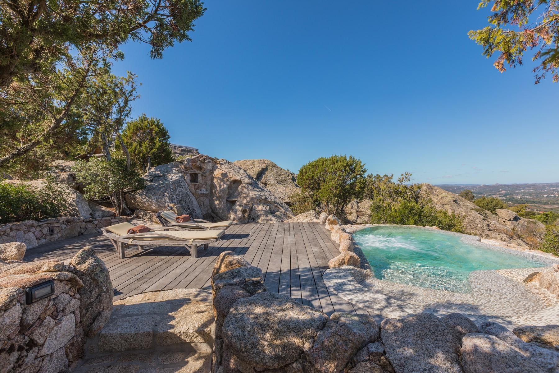 Villa in Vendita a Olbia: 5 locali, 945 mq - Foto 3