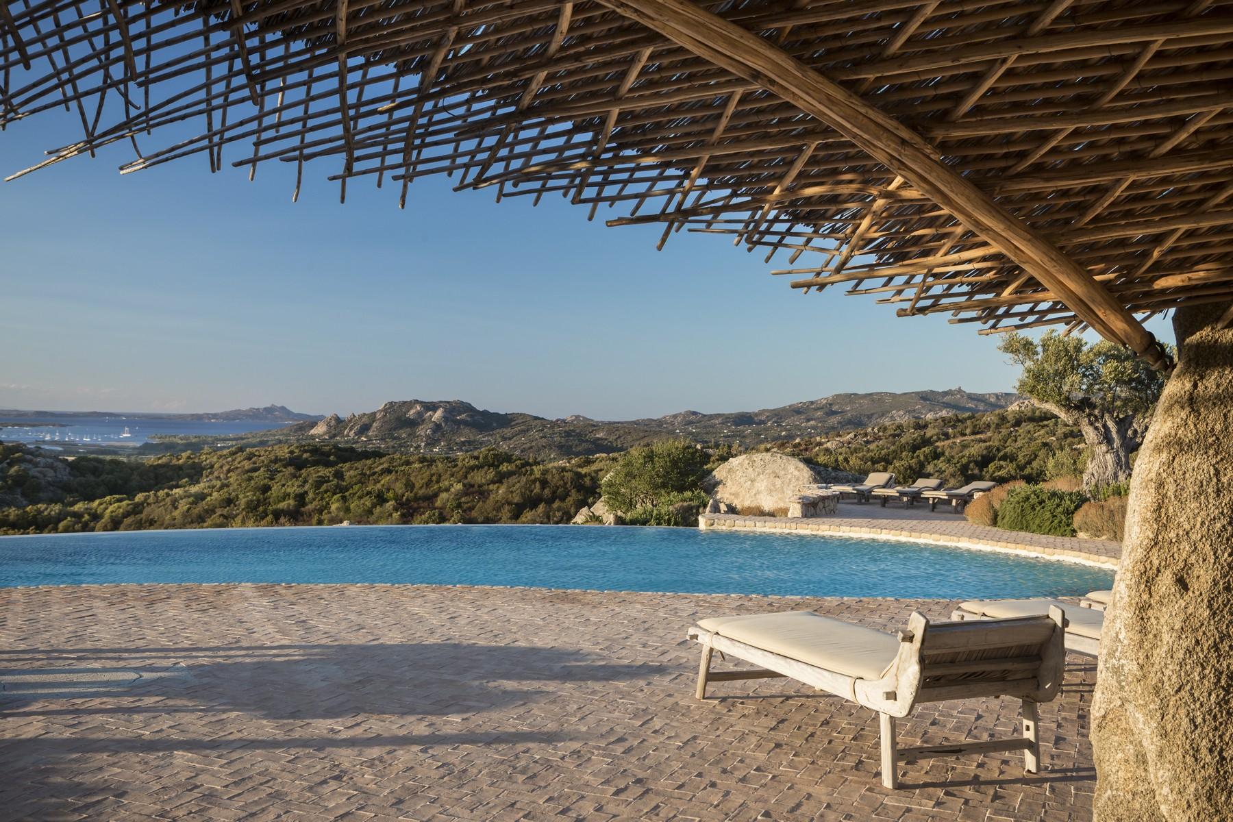 Villa in Vendita a Olbia: 5 locali, 945 mq - Foto 5
