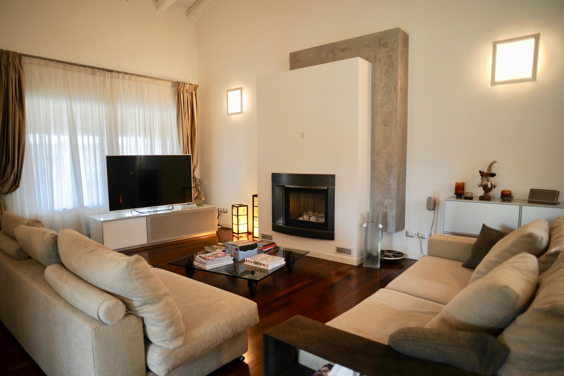 Casa indipendente in Vendita a Desenzano Del Garda via grezze