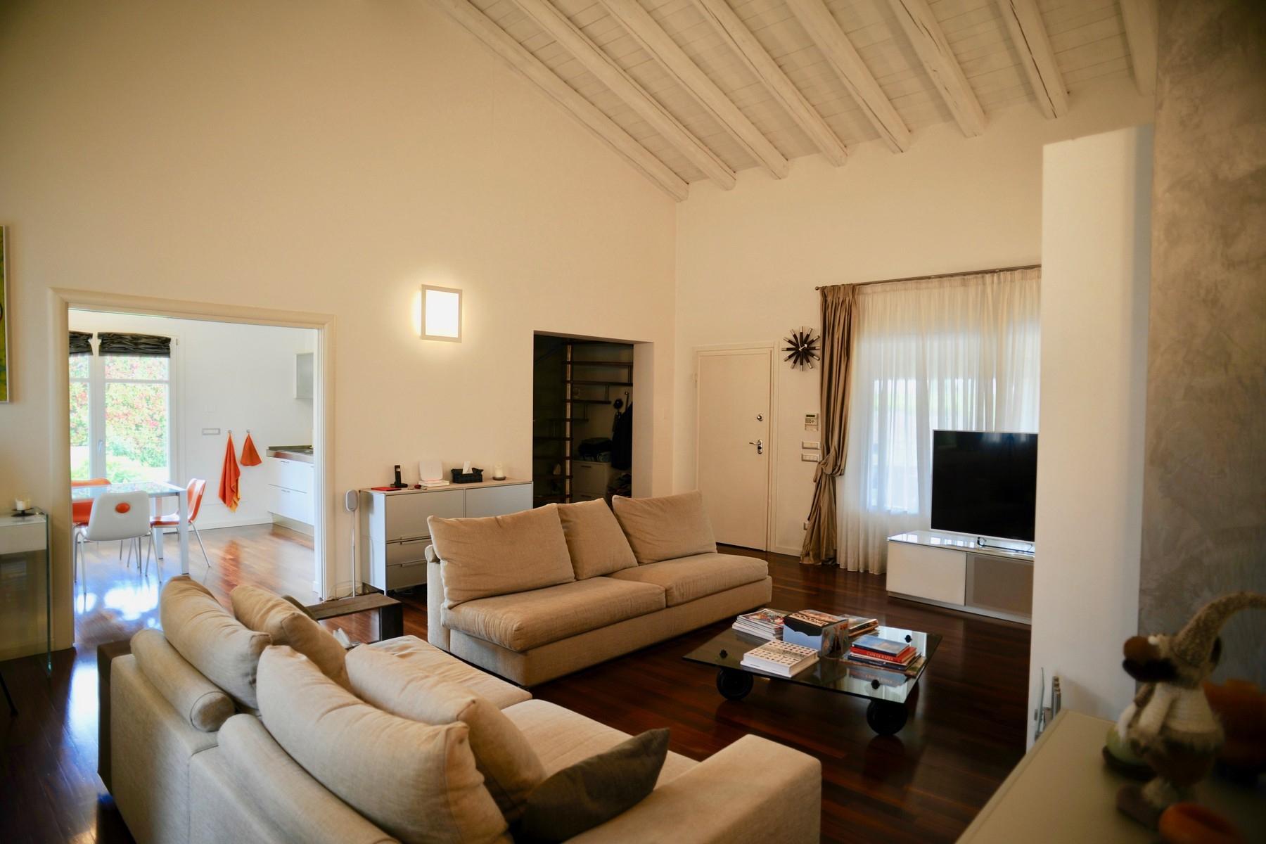 Casa indipendente in Vendita a Desenzano Del Garda: 5 locali, 300 mq - Foto 2