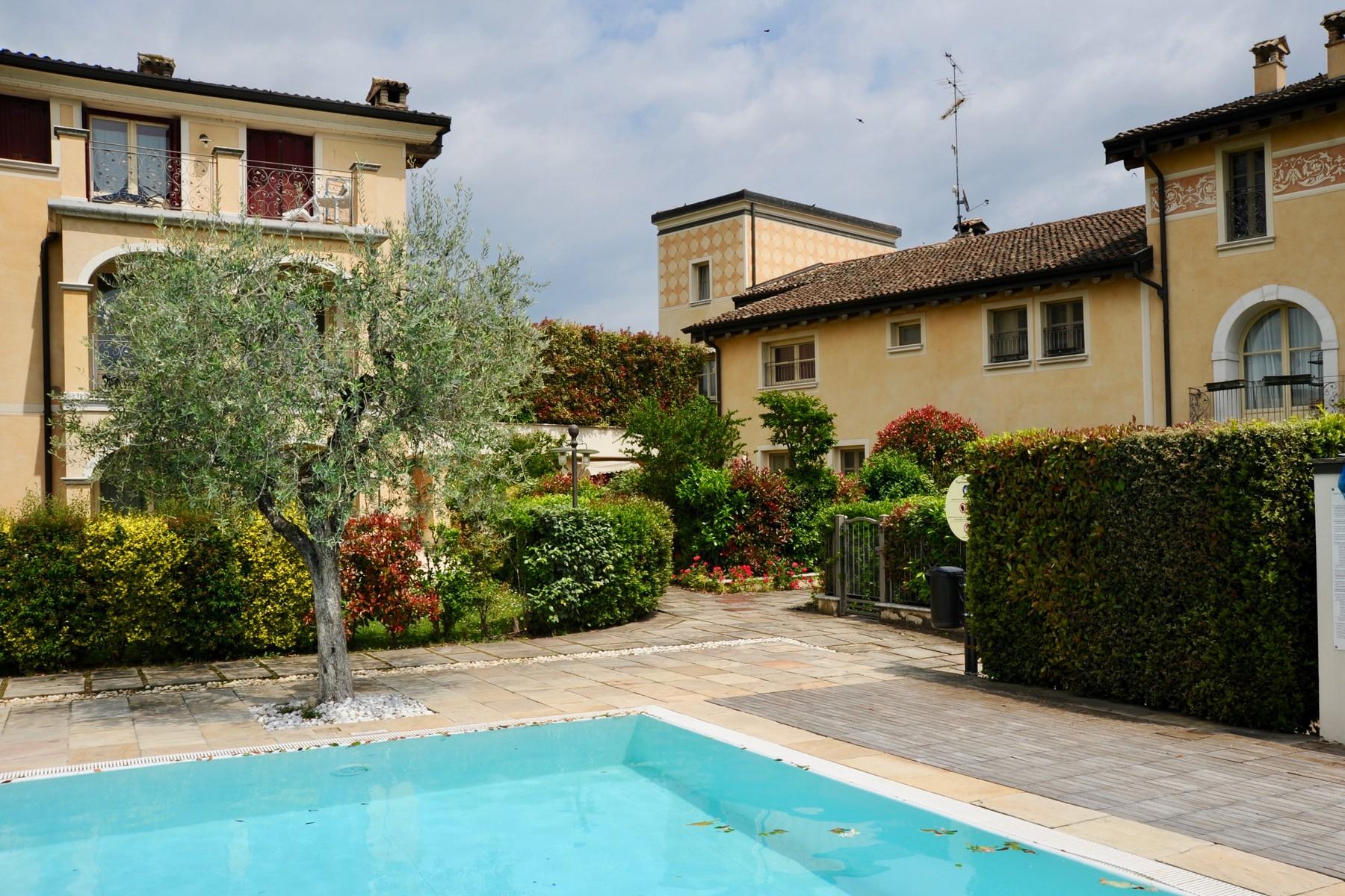 Casa indipendente in Vendita a Desenzano Del Garda: 5 locali, 300 mq - Foto 14