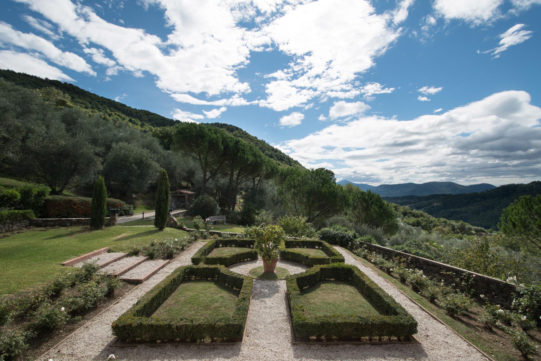Villa in Vendita a Lucca: 5 locali, 1065 mq - Foto 3