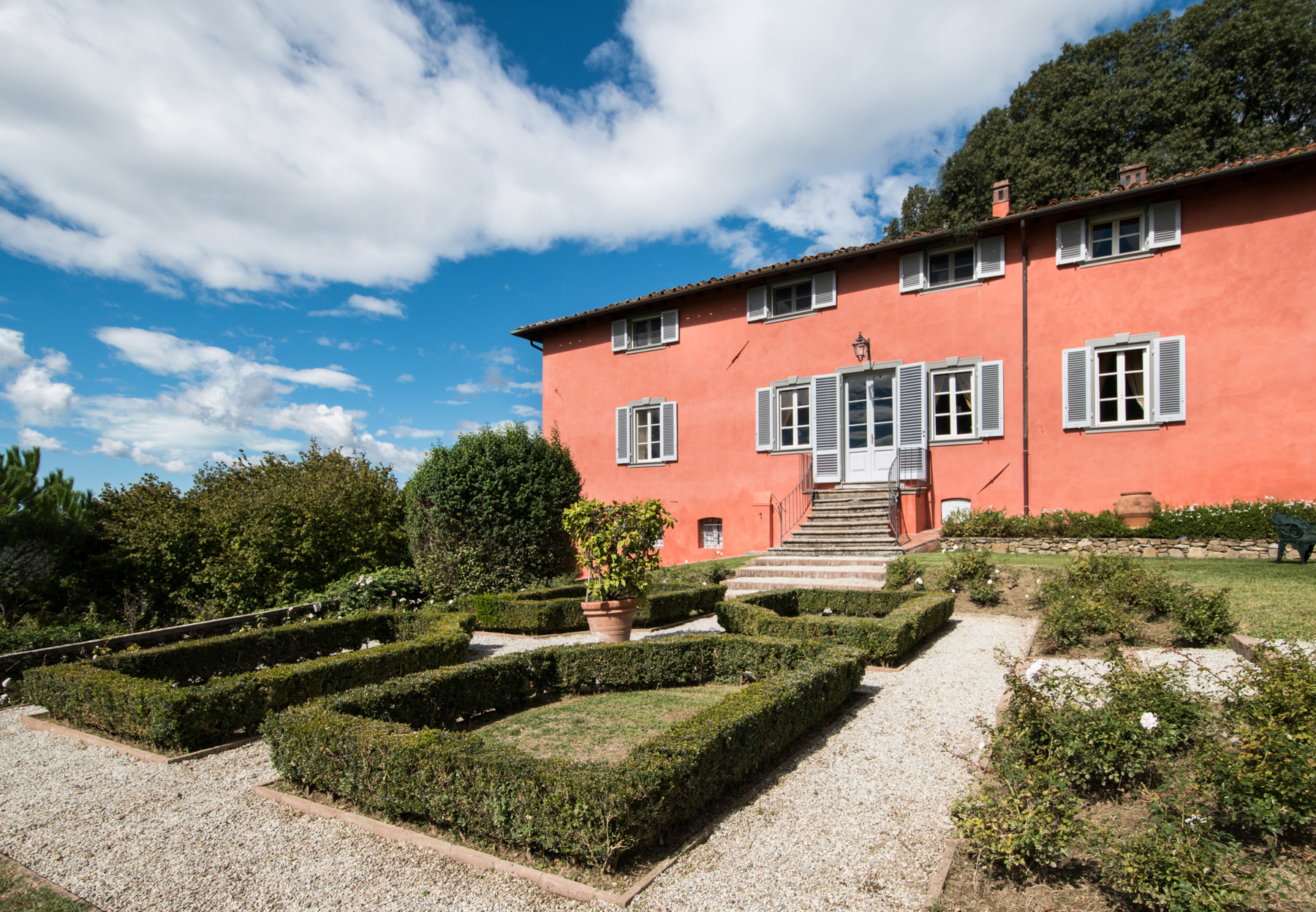 Villa in Vendita a Lucca: 5 locali, 1065 mq - Foto 2