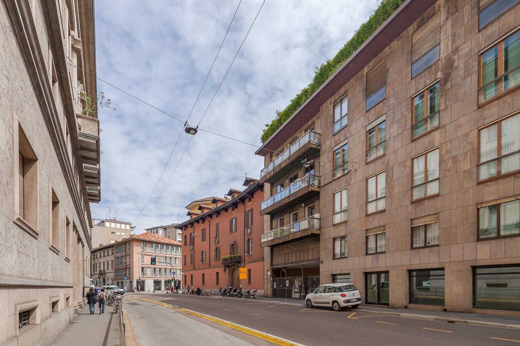 Ufficio-studio in Affitto a Milano: 5 locali, 210 mq - Foto 2