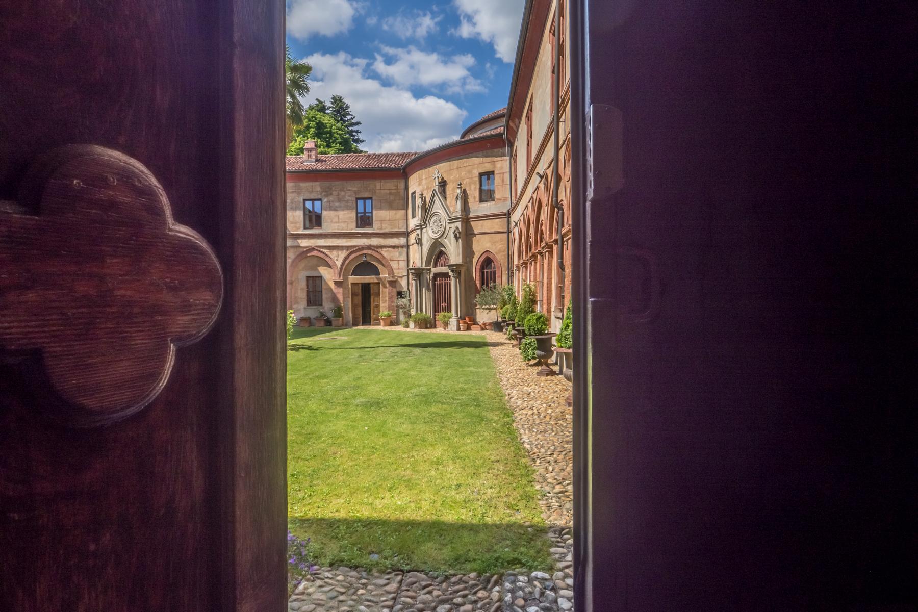 Appartamento in Vendita a Moncalieri: 5 locali, 368 mq