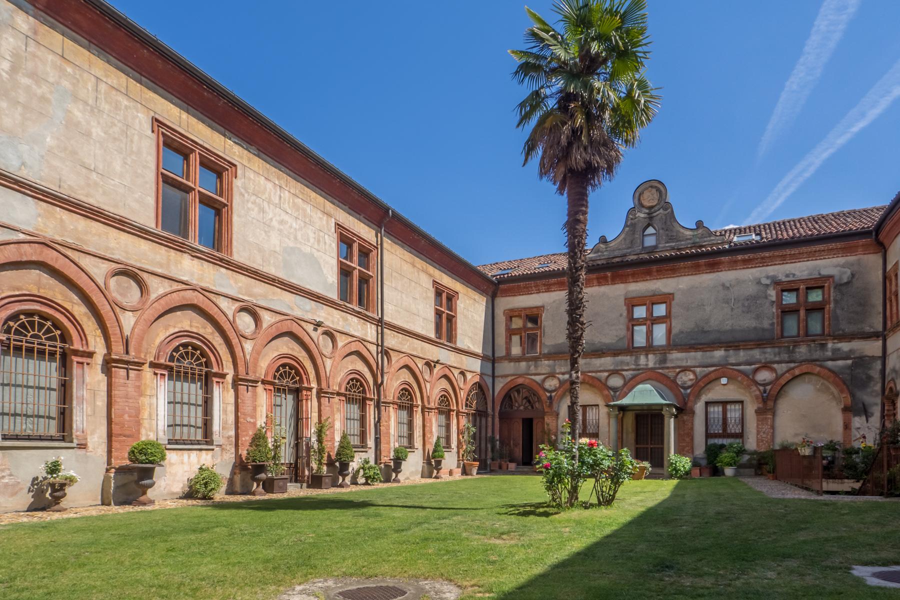 Appartamento in Vendita a Moncalieri: 5 locali, 368 mq - Foto 2