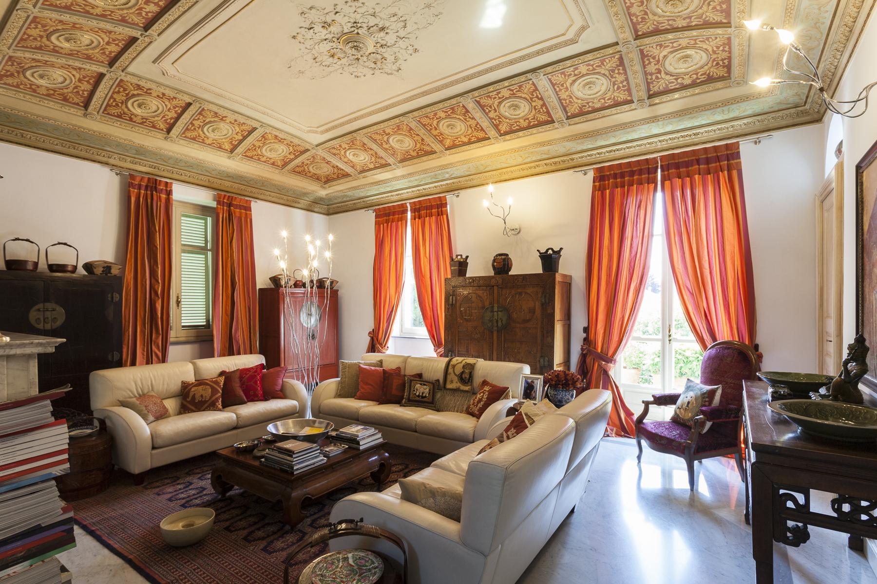 Villa in Vendita a Rivoli: 5 locali, 450 mq - Foto 1