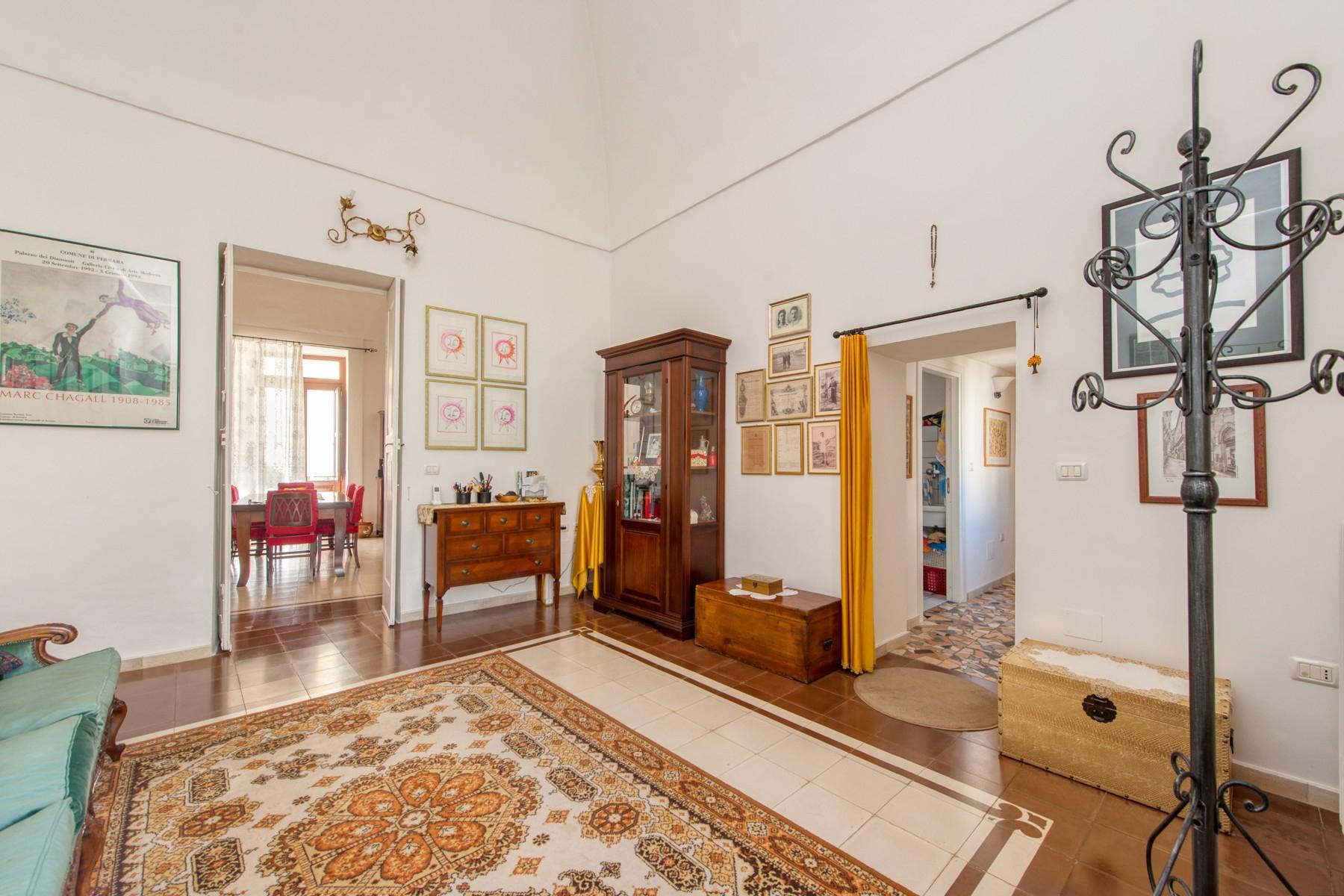 Palazzo in Vendita a Parabita: 5 locali, 450 mq - Foto 2