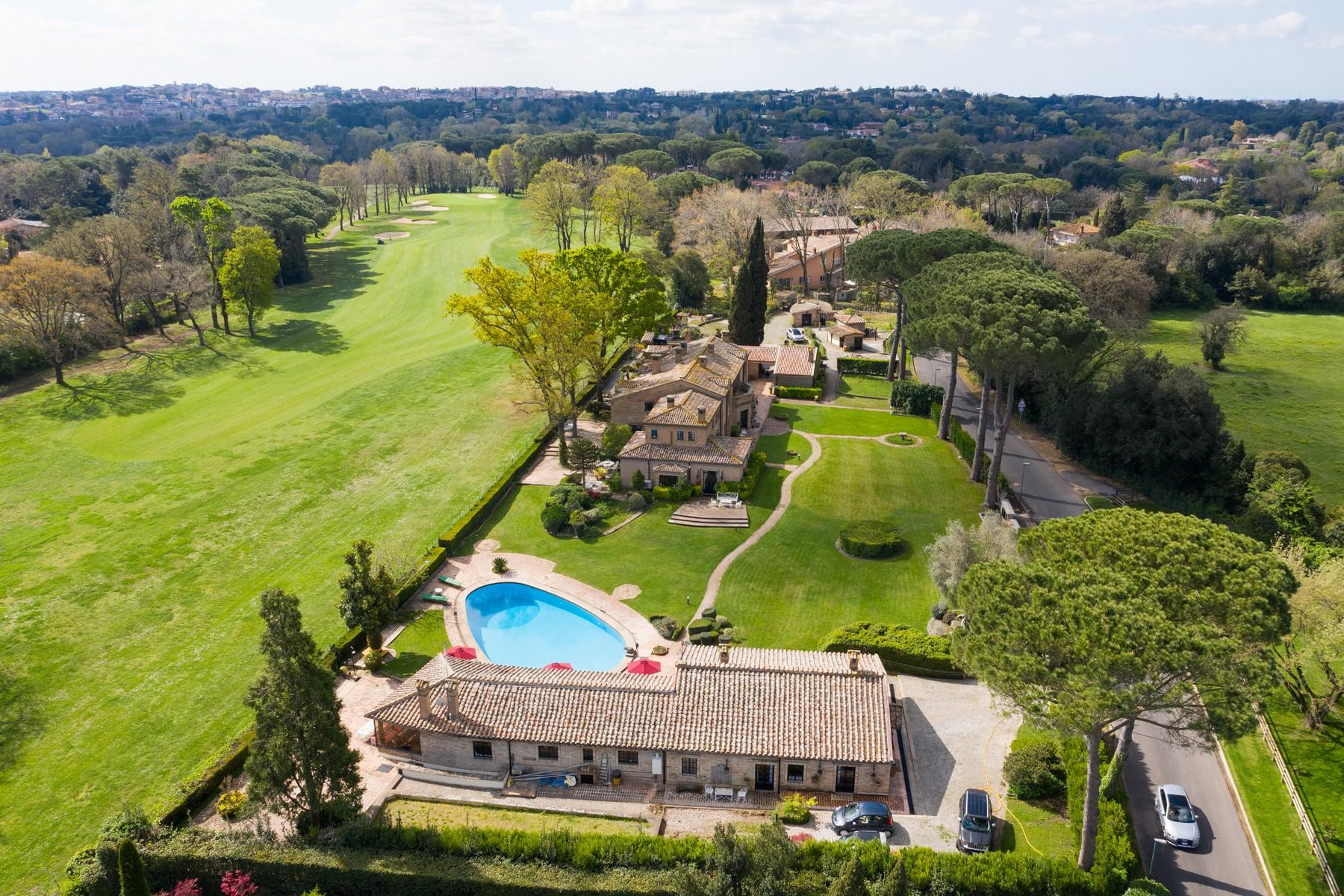 Villa in Vendita a Roma: 5 locali, 1820 mq - Foto 2
