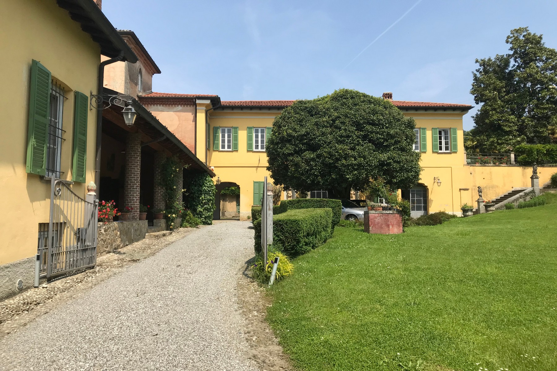 Villa in Vendita a Missaglia: 5 locali, 1500 mq - Foto 2