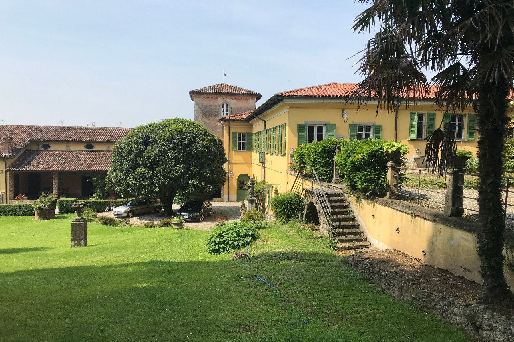 Villa in Vendita a Missaglia: 5 locali, 1500 mq