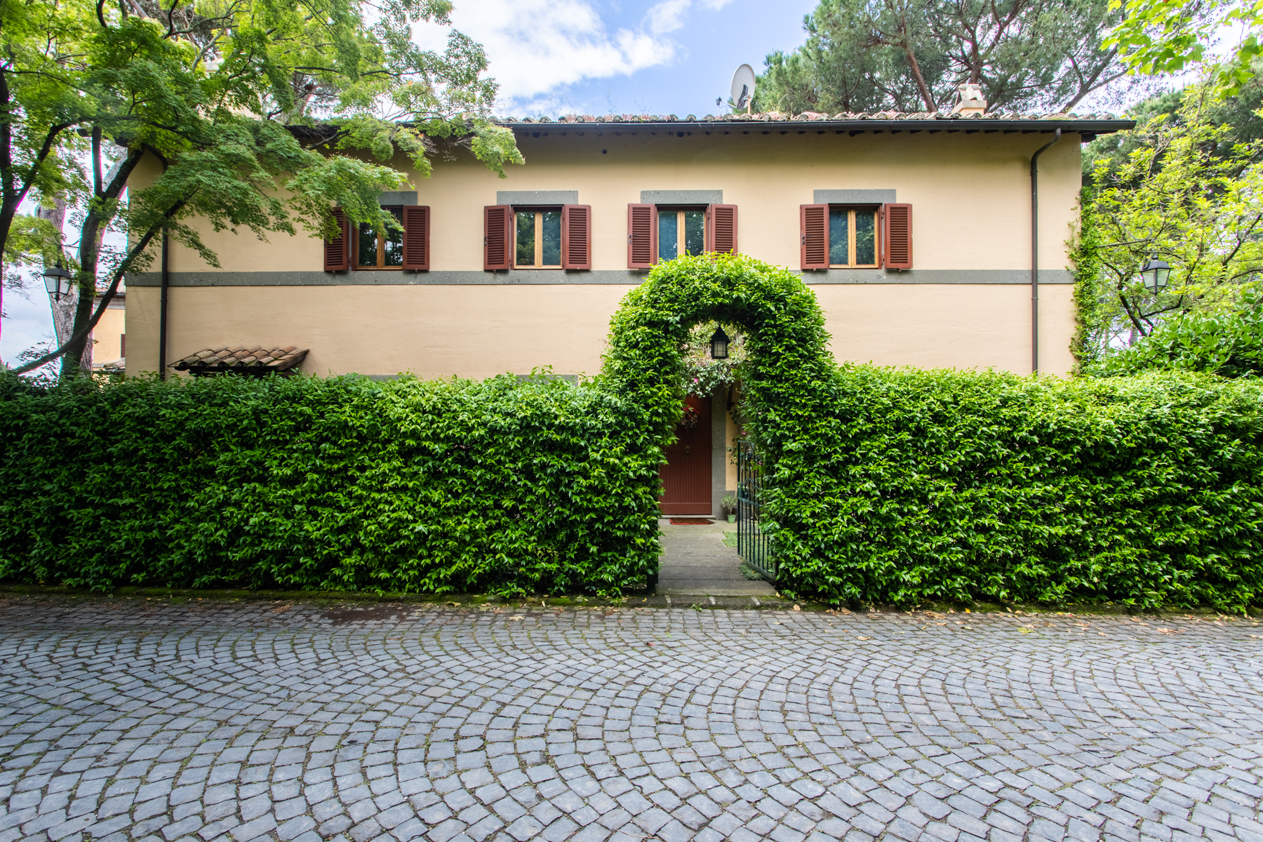 Villa in Vendita a Castel Gandolfo: 5 locali, 400 mq - Foto 2
