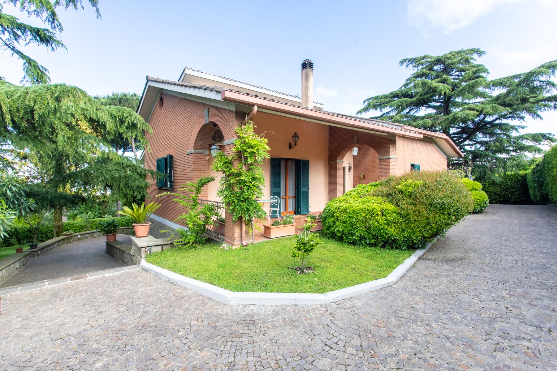 Villa in Vendita a Marino: 5 locali, 350 mq - Foto 1