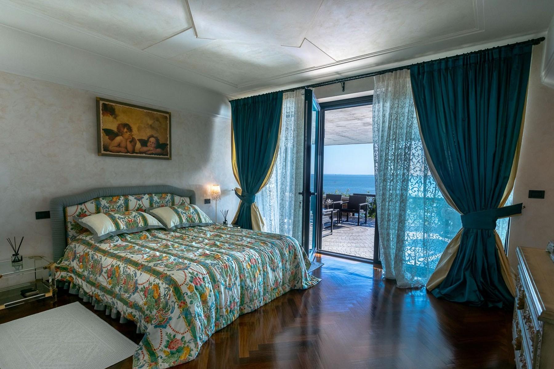 Villa in Vendita a Padenghe Sul Garda: 5 locali, 700 mq - Foto 3