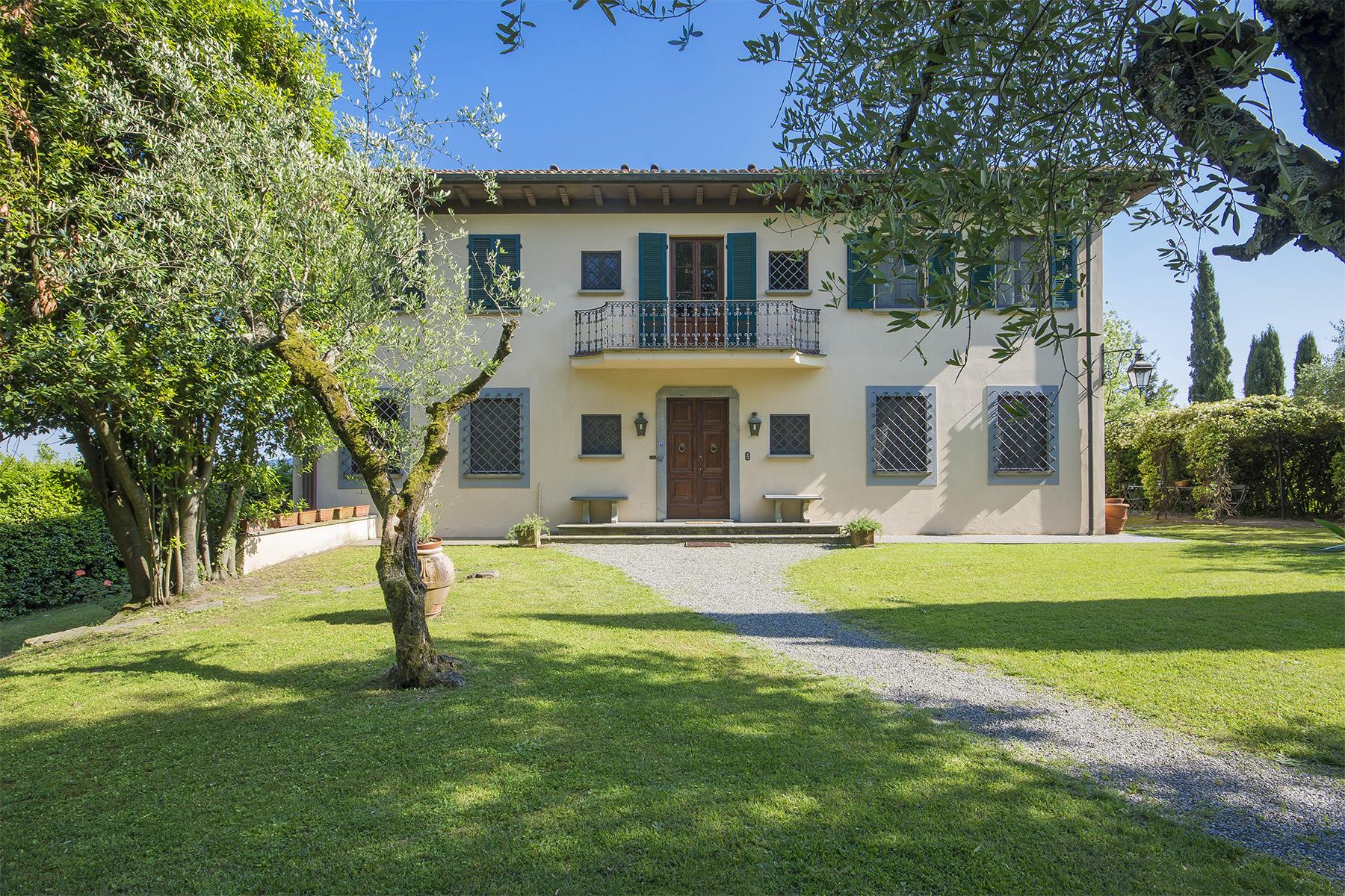 Villa in Vendita a Lucca: 5 locali, 600 mq