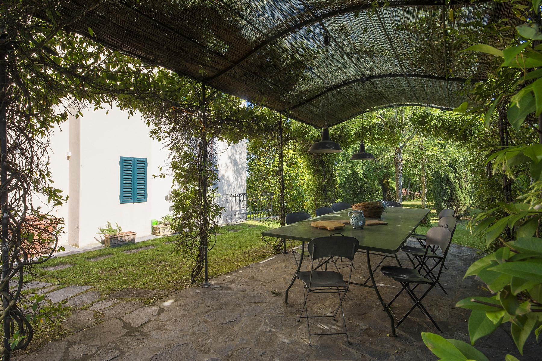 Villa in Vendita a Lucca: 5 locali, 600 mq - Foto 2
