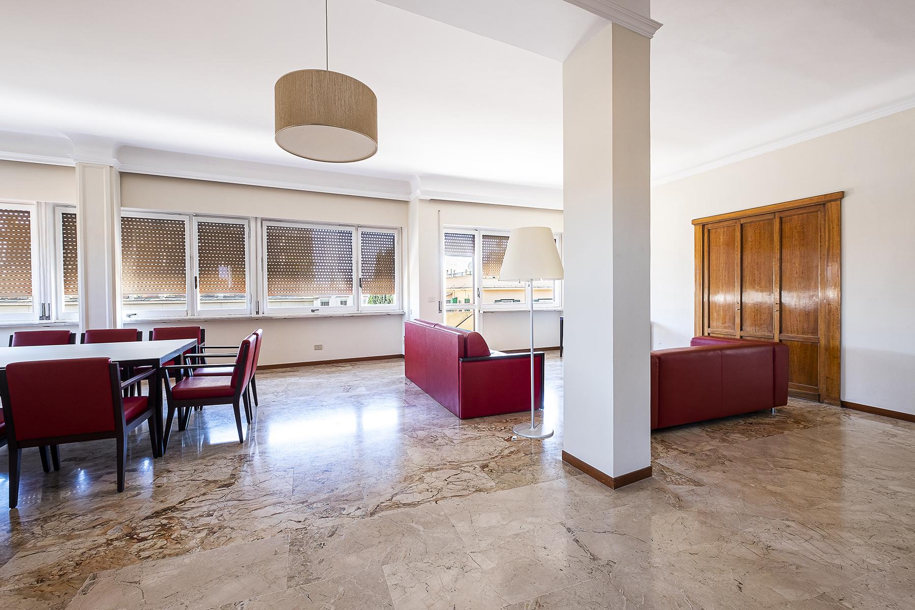 Appartamento in Vendita a Roma: 5 locali, 210 mq - Foto 2