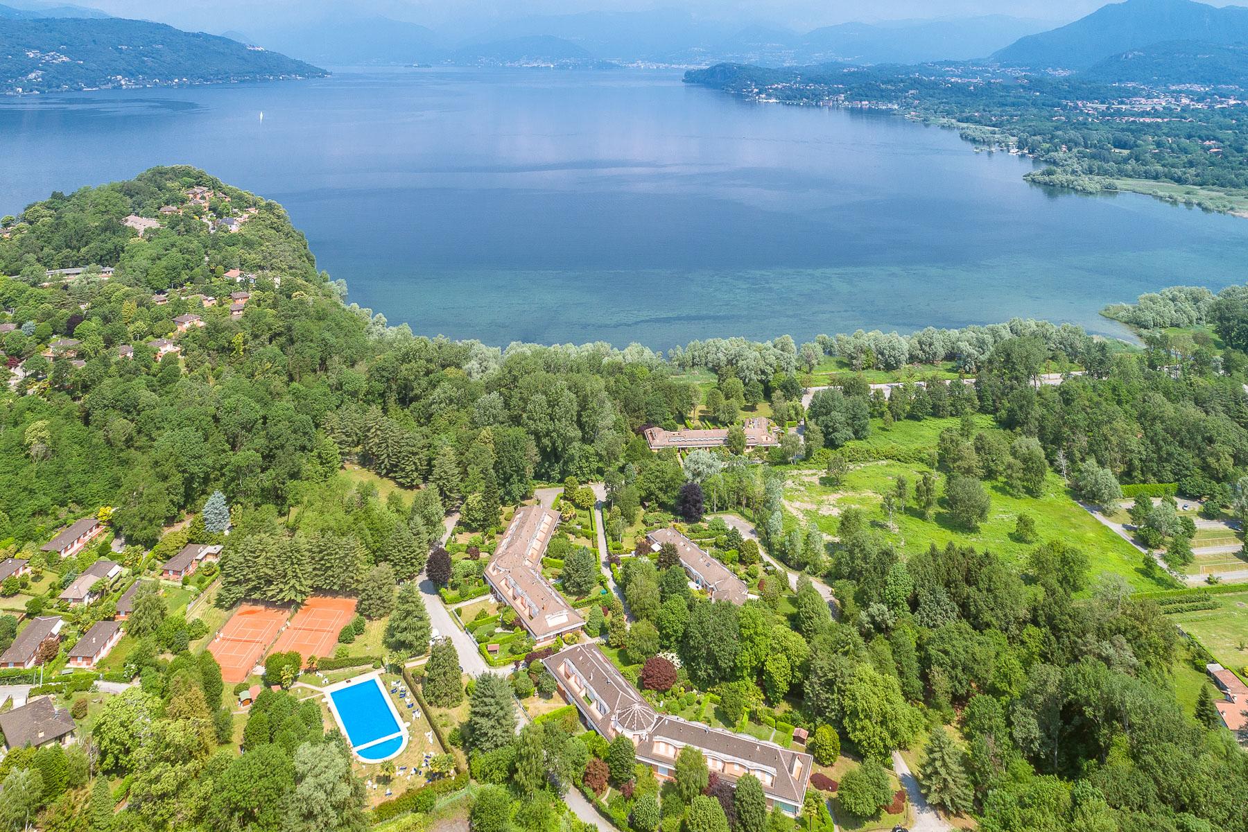 Villa in Vendita a Ispra: 4 locali, 130 mq