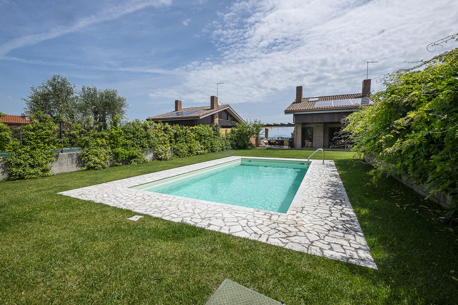 Villa in Vendita a Bracciano: 5 locali, 215 mq