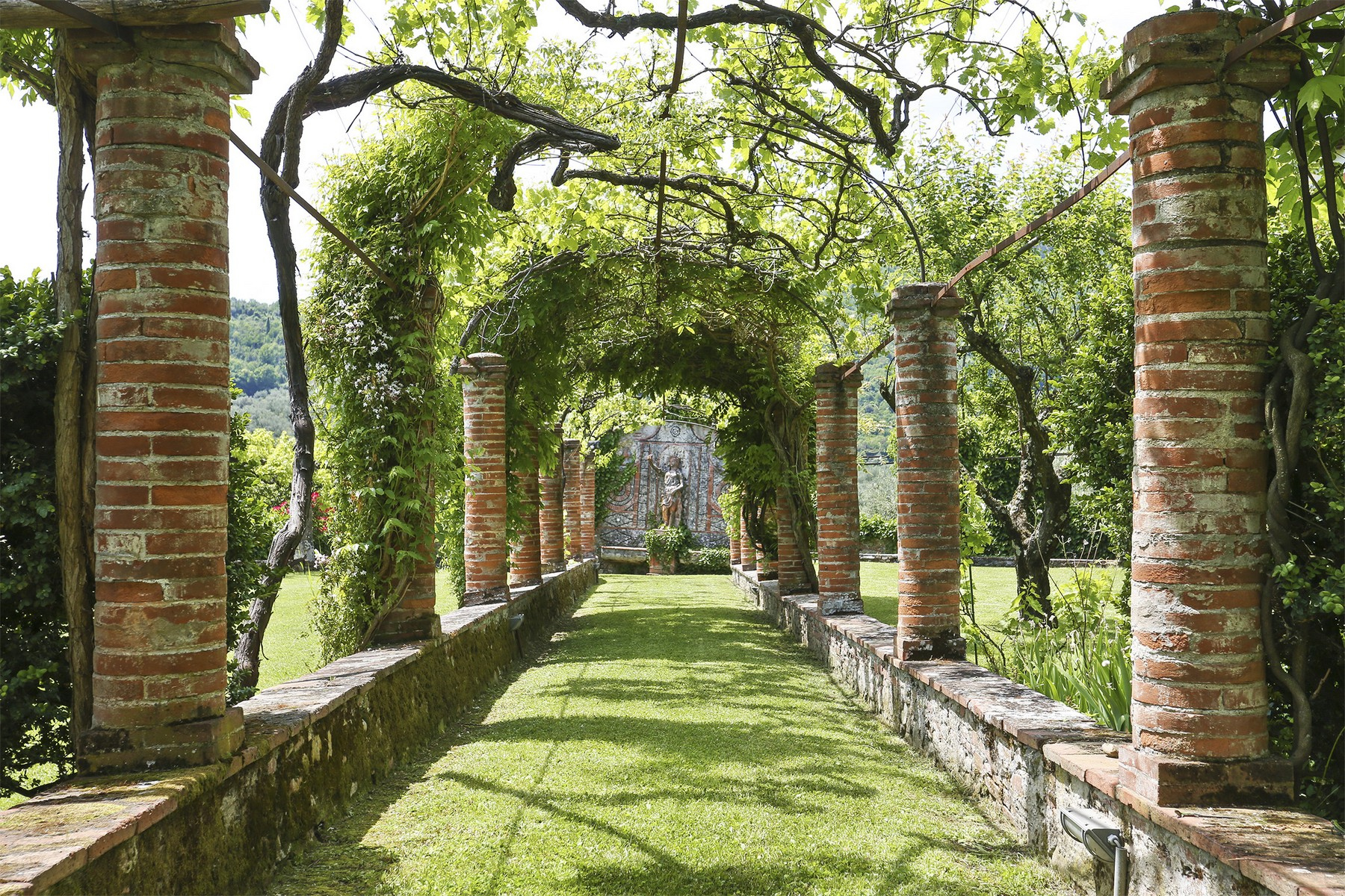 Villa in Vendita a Lucca: 5 locali, 735 mq - Foto 7
