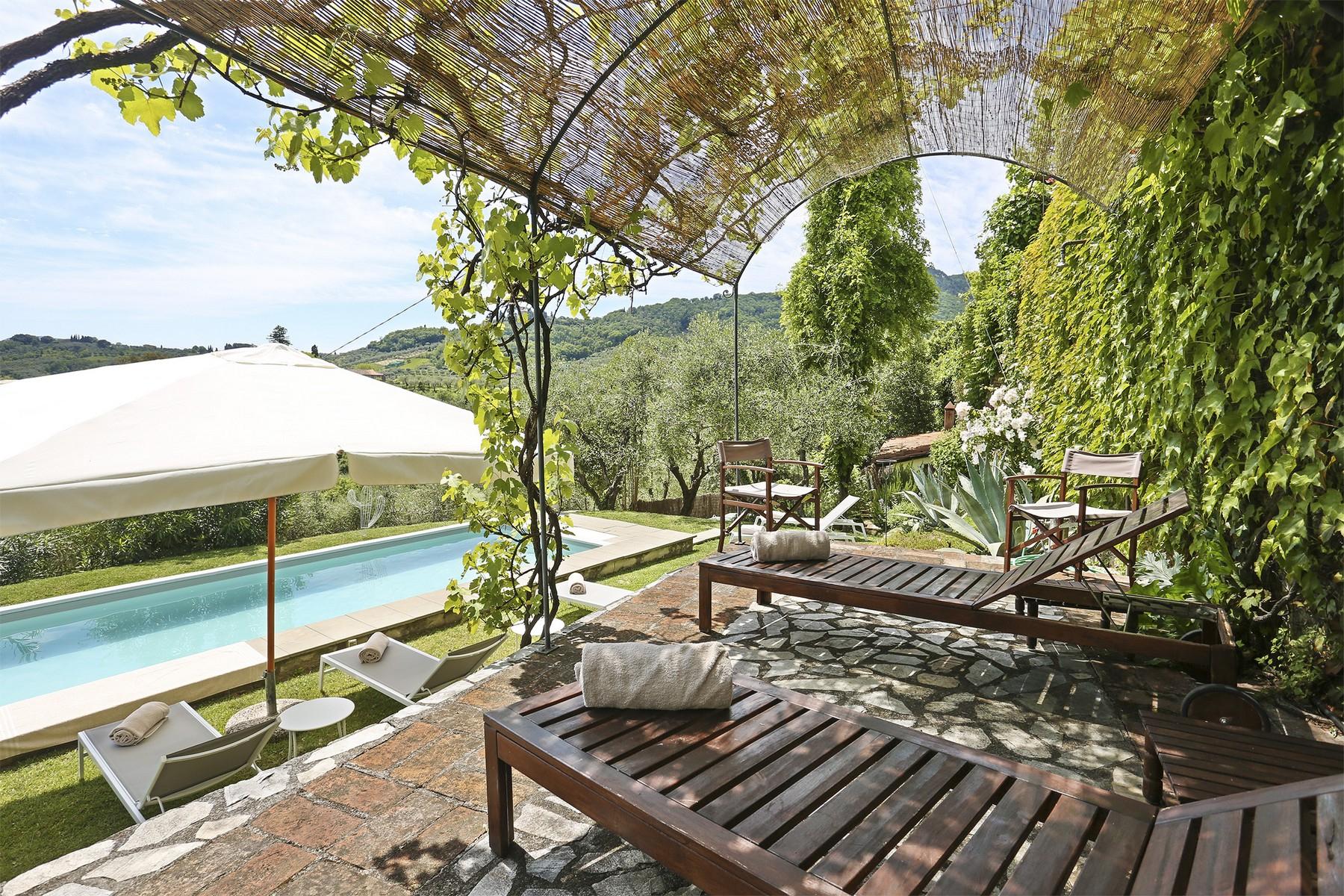 Villa in Vendita a Lucca colle via del di stabbiano