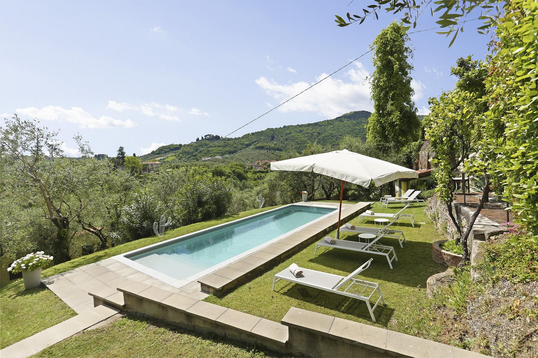 Villa in Vendita a Lucca: 5 locali, 735 mq - Foto 2