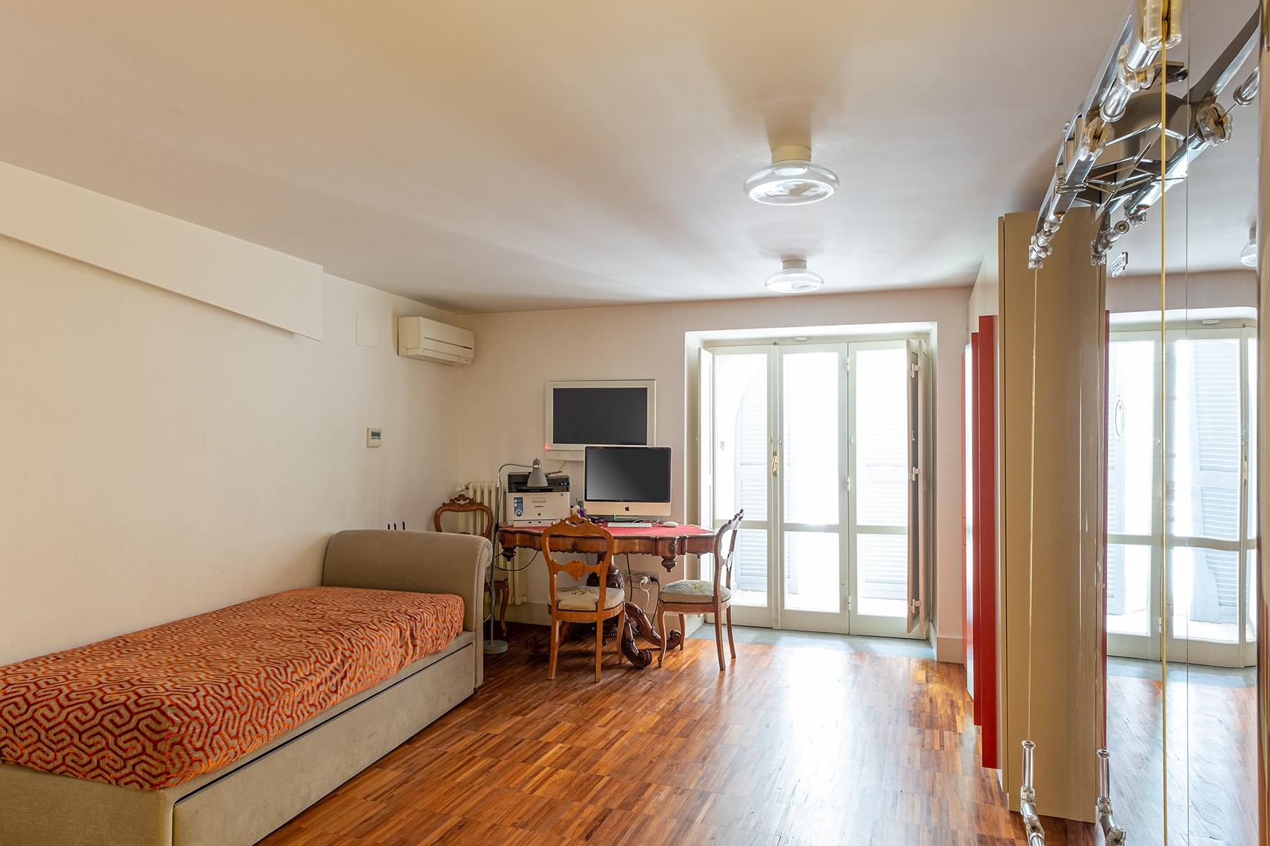 Appartamento in Vendita a Napoli: 5 locali, 400 mq - Foto 24