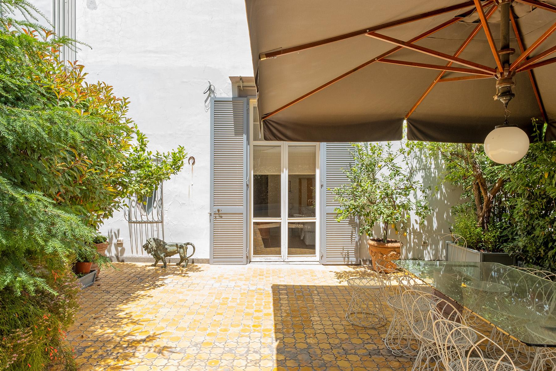 Appartamento in Vendita a Napoli: 5 locali, 400 mq - Foto 28