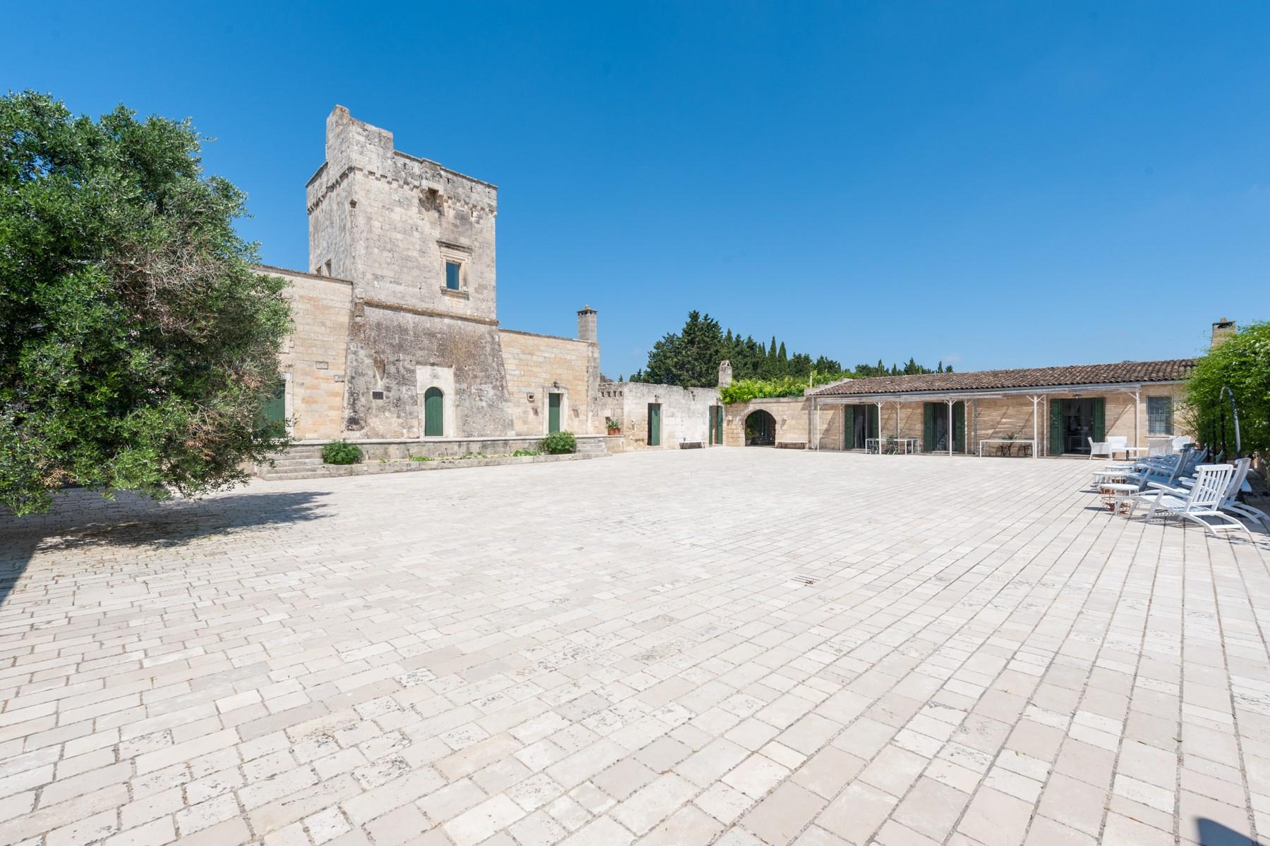 Casa indipendente in Vendita a Carpignano Salentino: 5 locali, 1000 mq