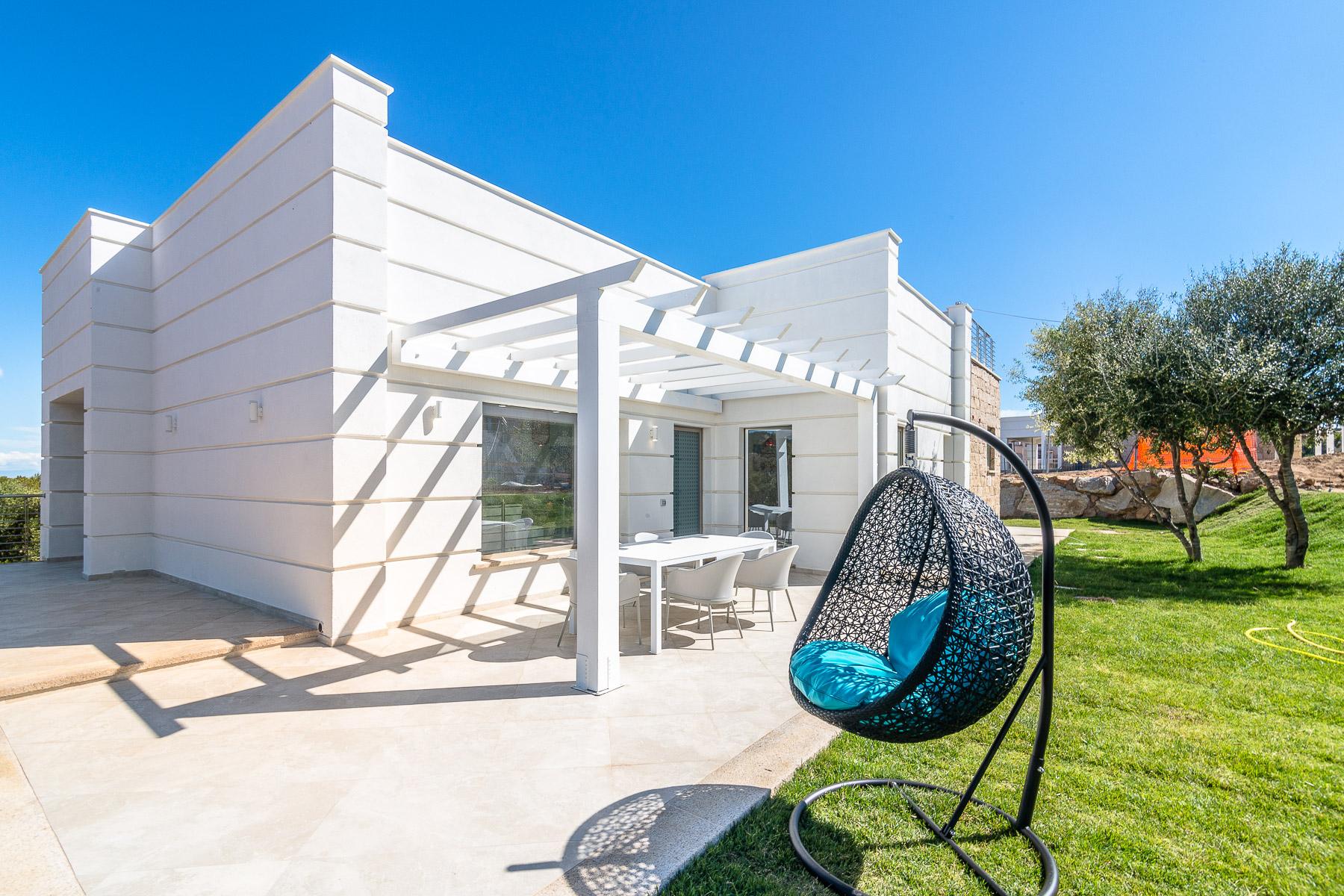 Villa in Vendita a Arzachena: 5 locali, 283 mq