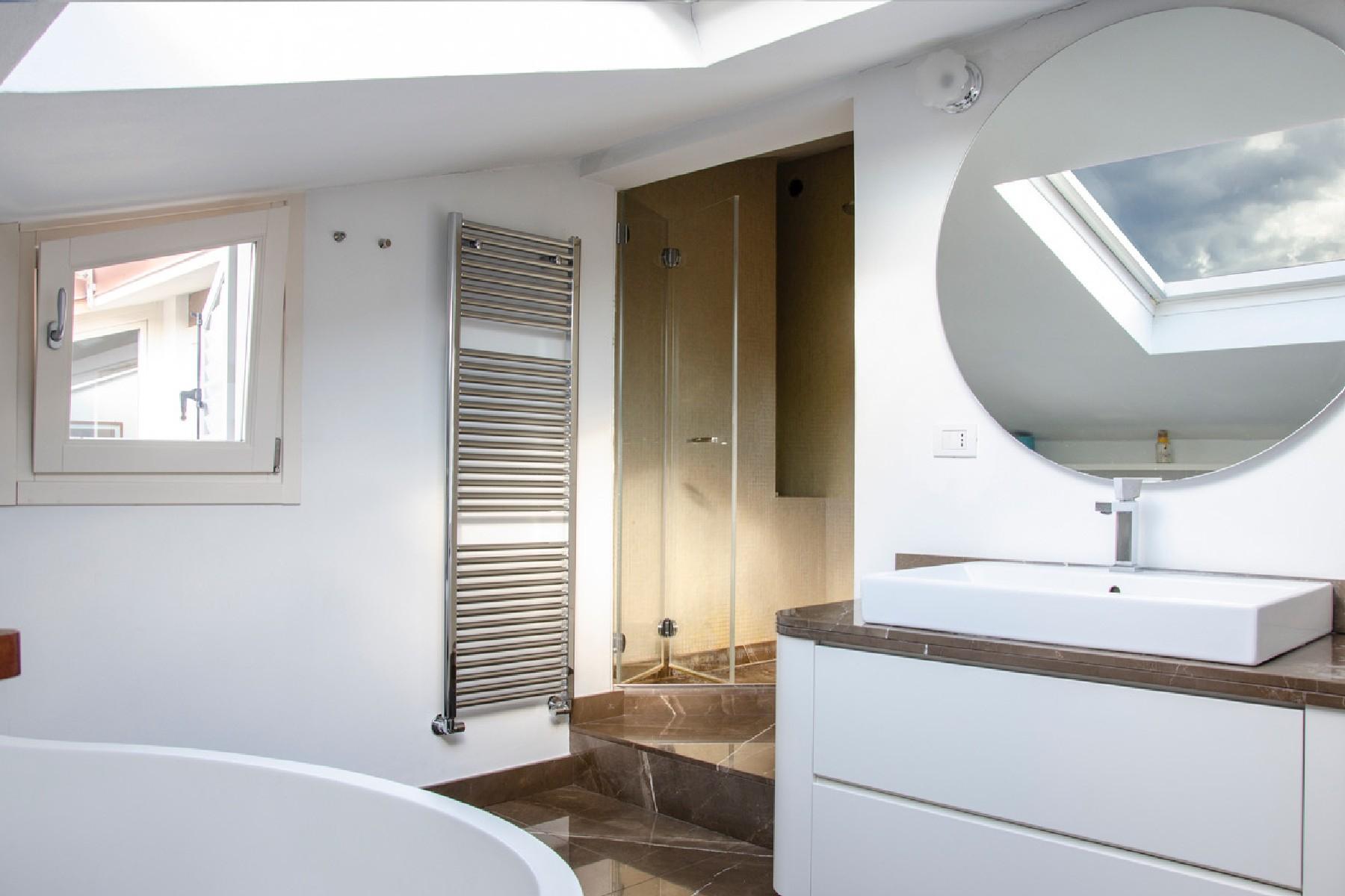 Appartamento in Vendita a Merate: 4 locali, 225 mq - Foto 20