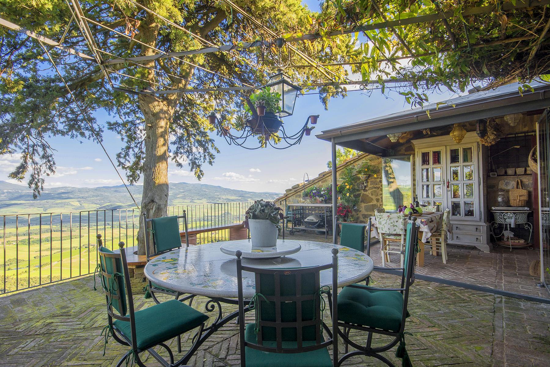 Casa indipendente in Vendita a Montalcino: 5 locali, 280 mq