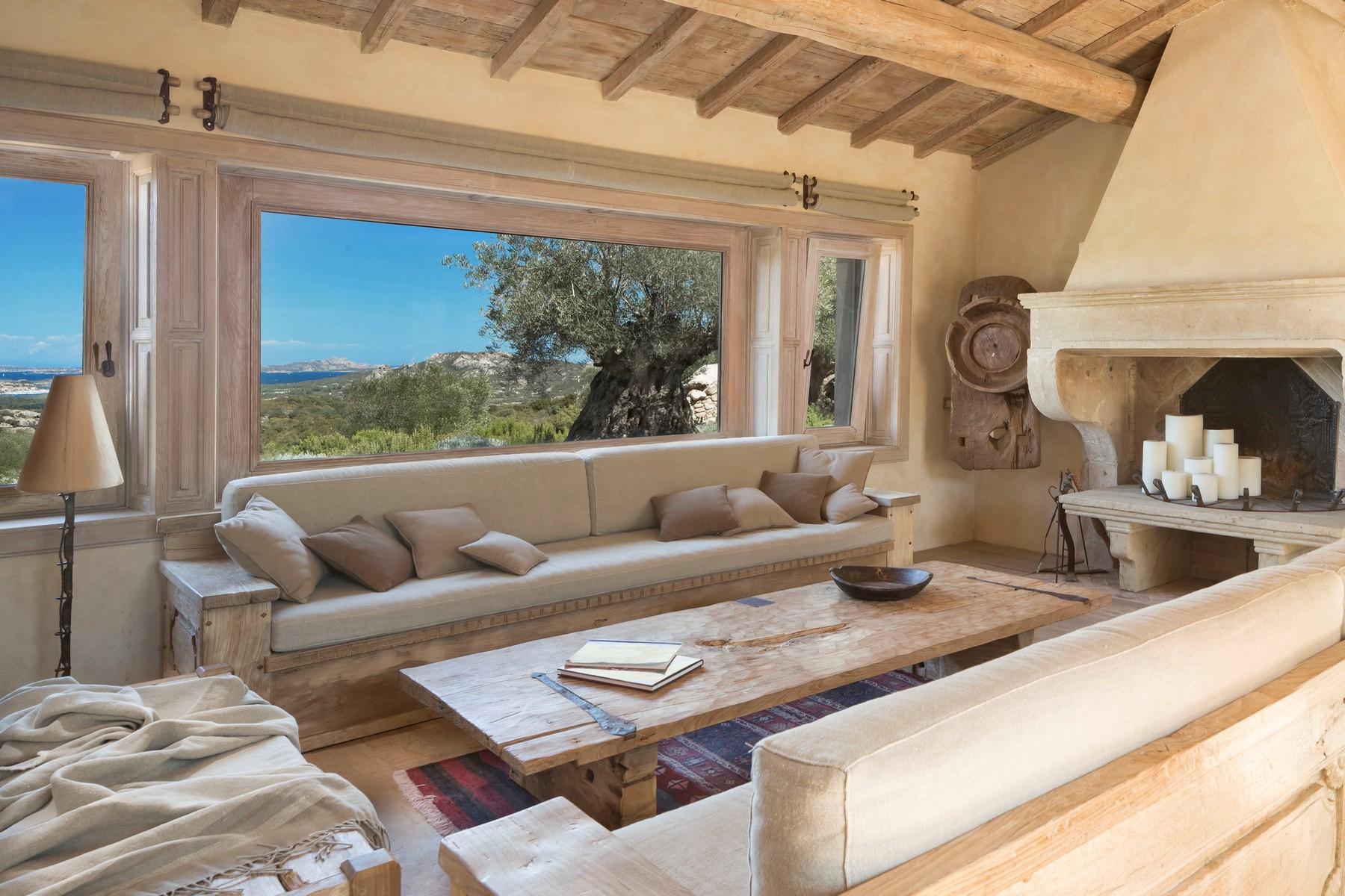 Villa in Vendita a Olbia: 5 locali, 945 mq - Foto 10