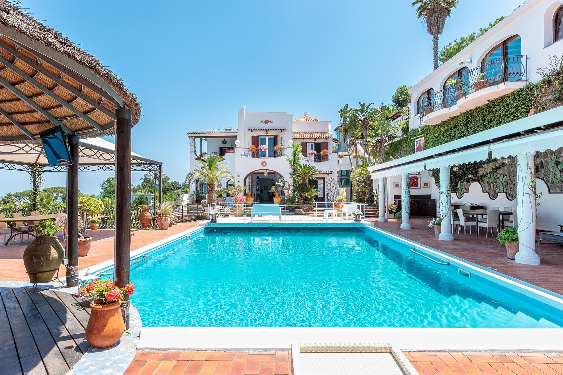 Villa in Vendita a Ischia via castiglione
