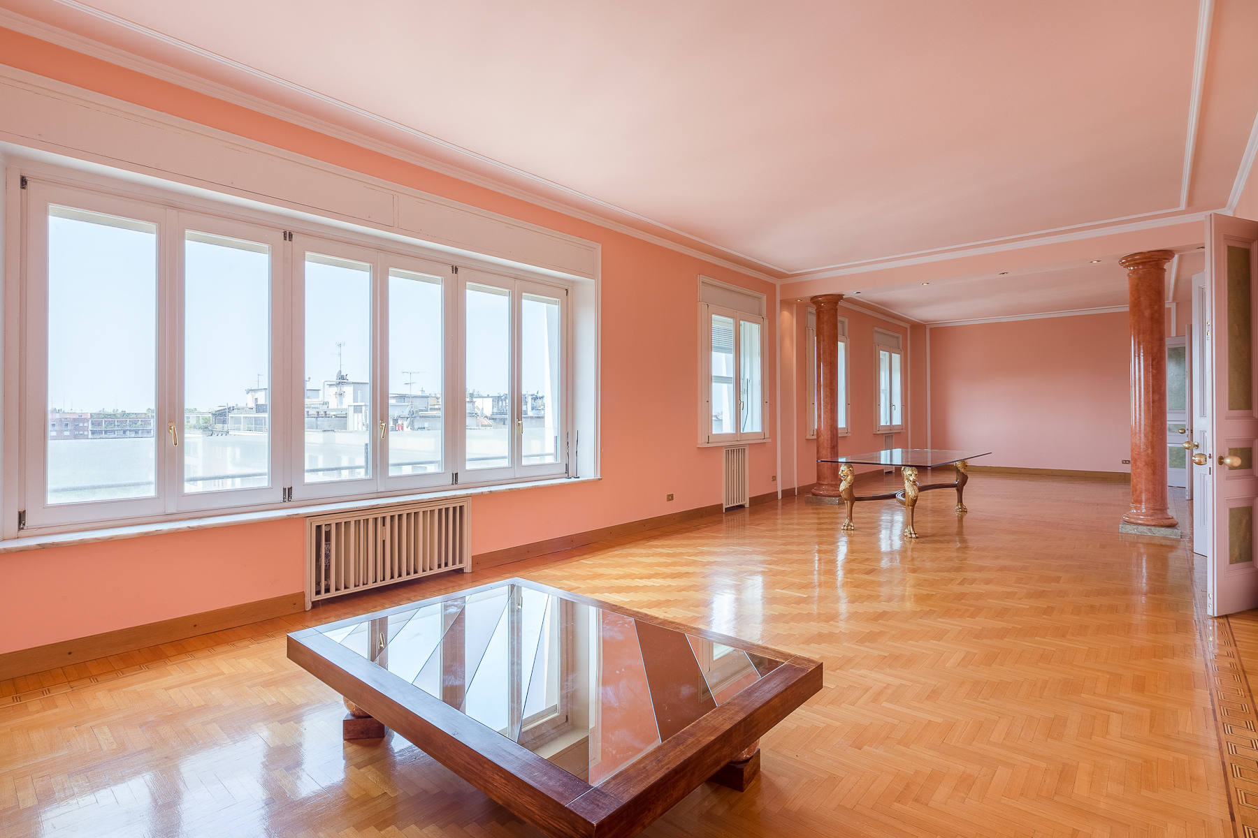 Appartamento in Vendita a Milano 01 Centro storico (Cerchia dei Navigli): 5 locali, 340 mq
